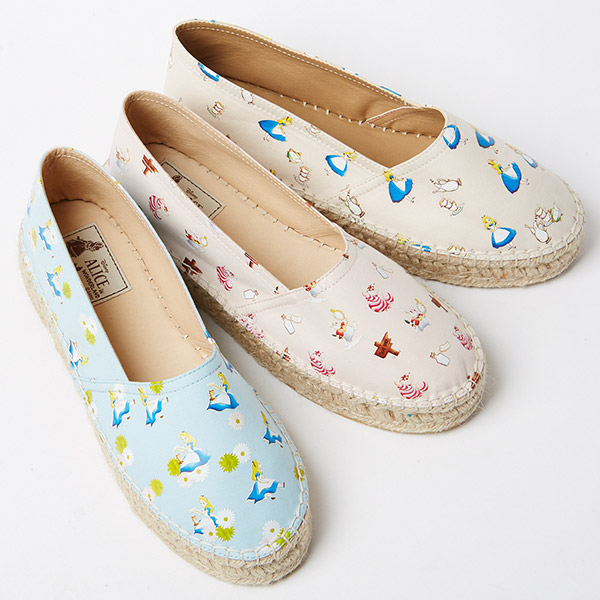 alice-in-wonderland-shoes-Alpargatas-de-Alicia-en-el-pais-de-las-maravillas-fashion-japon-moda-Disney-spring-shoes-zapatos-de-primavera-PiensaenChic-Piensa-en-Chic