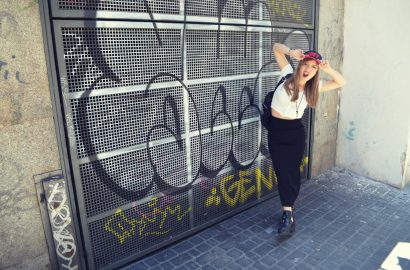 ChicAdicta-Chic-Adicta-fashion-blogger-Madrid-street-style-cut-out-shoes-look-botas-con-aberturas-brandy-melville-top-falda-tubo-hm-Obey-cap-PiensaenChic-Piensa-en-Chic