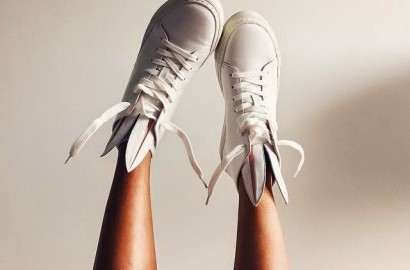 Minna-Parikka-bunny-shoes-sneakers-fashion-shoes-white-slippers-zapatillas-con-orejas-de-conejito-funny-shoes-PiensaenChic-Piensa-en-Chic.jpg