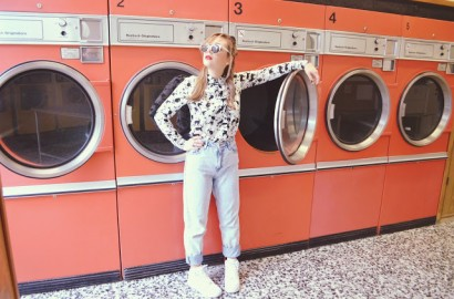 ChicAdicta-Chic-Adicta-fashion-blogger-summer-mom-jeans-outfit-vaqueros-de-tiro-alto-look-fashionista-Copenhagen-street-style-laundry-hipster-PiensaenChic-Piensa-en-Chic.jpg