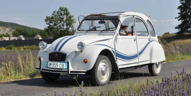 Vintage-road-trips-alquiler-de-coches-retro-2cv-rental-fashion-travel-vintage-ideas-rutas-en-coches-vintage-La-Provenza-PiensaenChic-Piensa-en-Chic.jpg