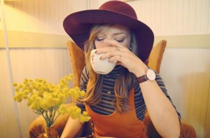 Blog-de-moda-look-daniel-wellington-watch-ChicAdicta-Chic-Adicta-look-con-rayas-stipes-outfit-burgundy-style-PiensaenChic-Piensa-en-Chic.jpg