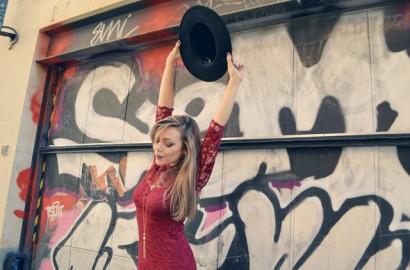 ChicAdicta-Chic-Adicta-blog-de-moda-fashion-style-burgundy-dress-look-con-sombrero-pretty-blogger-Vestido-Asos-PiensaenChic-Piensa-en-Chic.jpg