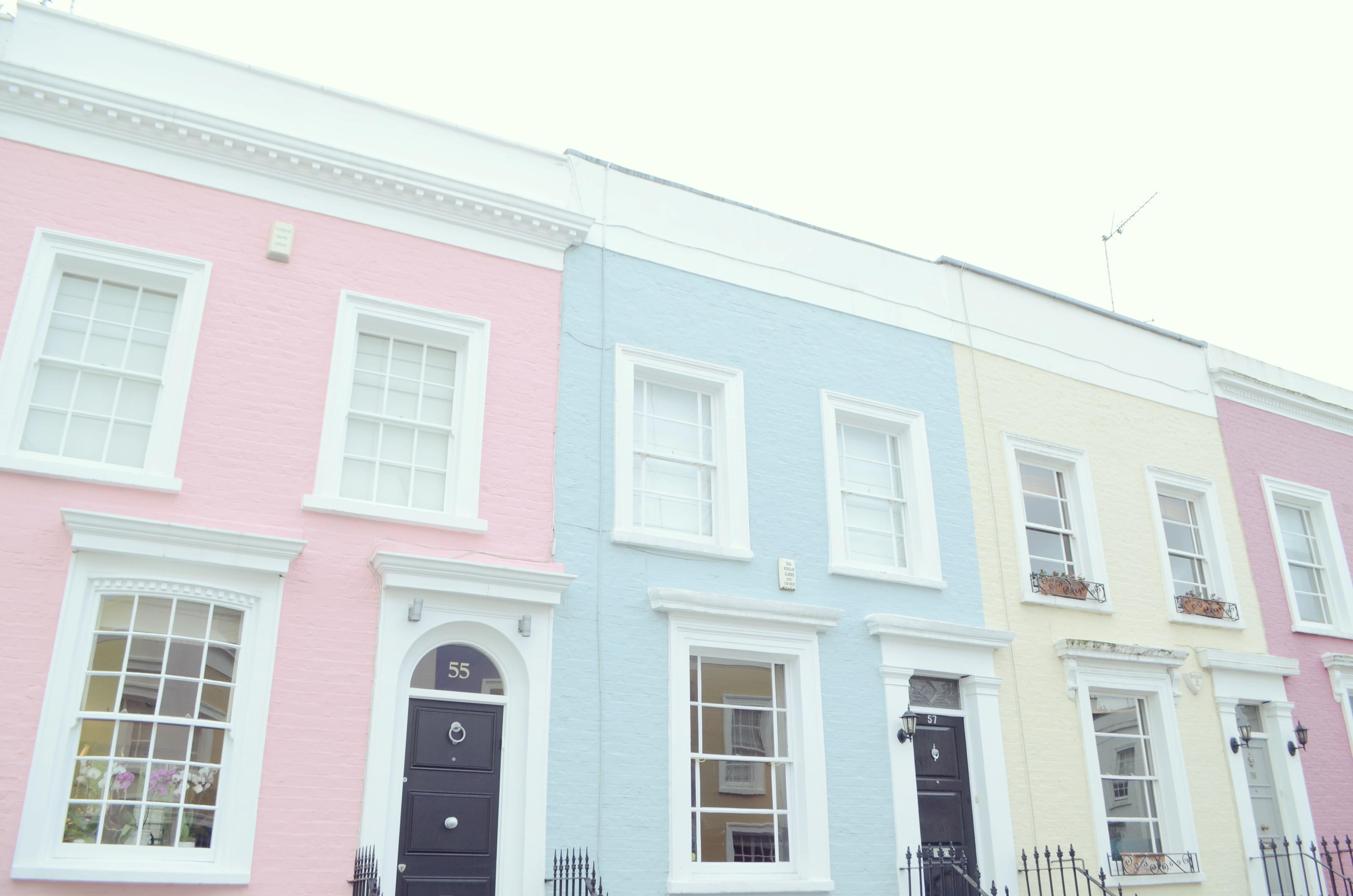 Notting-Hill-London-Que-ver-en.Londres-casas-de-colores-Chelsea-blog-de-moda-ChicAdicta-Chic-Adicta-fashion-travel-PiensaenChic-Piensa-en-Chic