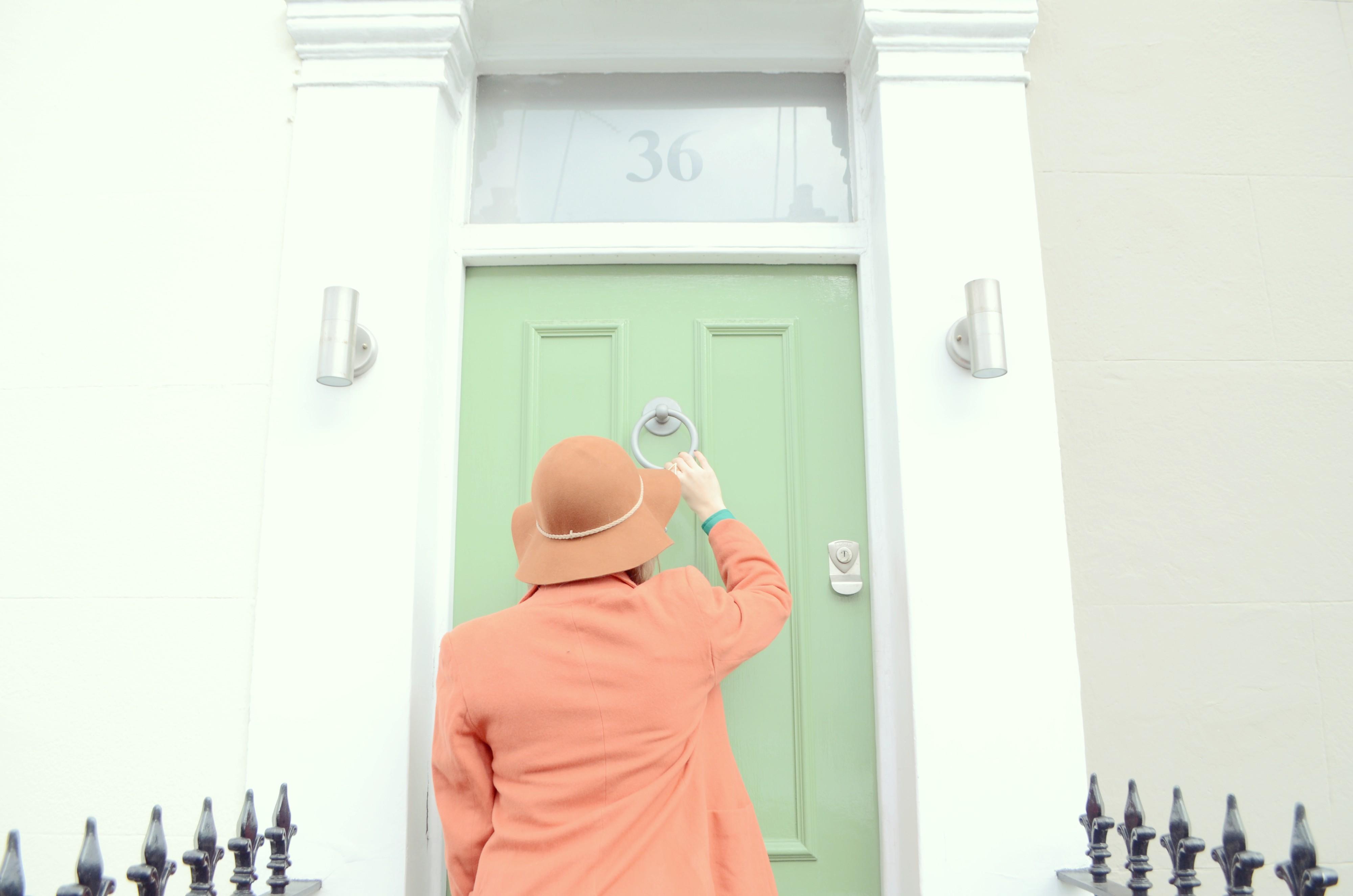 Vintage-orange-look-outfit-con-sombrero-fashionista-blog-de-moda-ChicAdicta-Chic-Adicta-orange-coat-PiensaenChic-Piensa-en-Chic