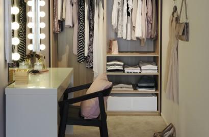 Tocador-con-luces-Ikea-365-blog-de-moda-luz-para-maquillar-organizar-ropa-PiensaenChic-Piensa-en-Chic