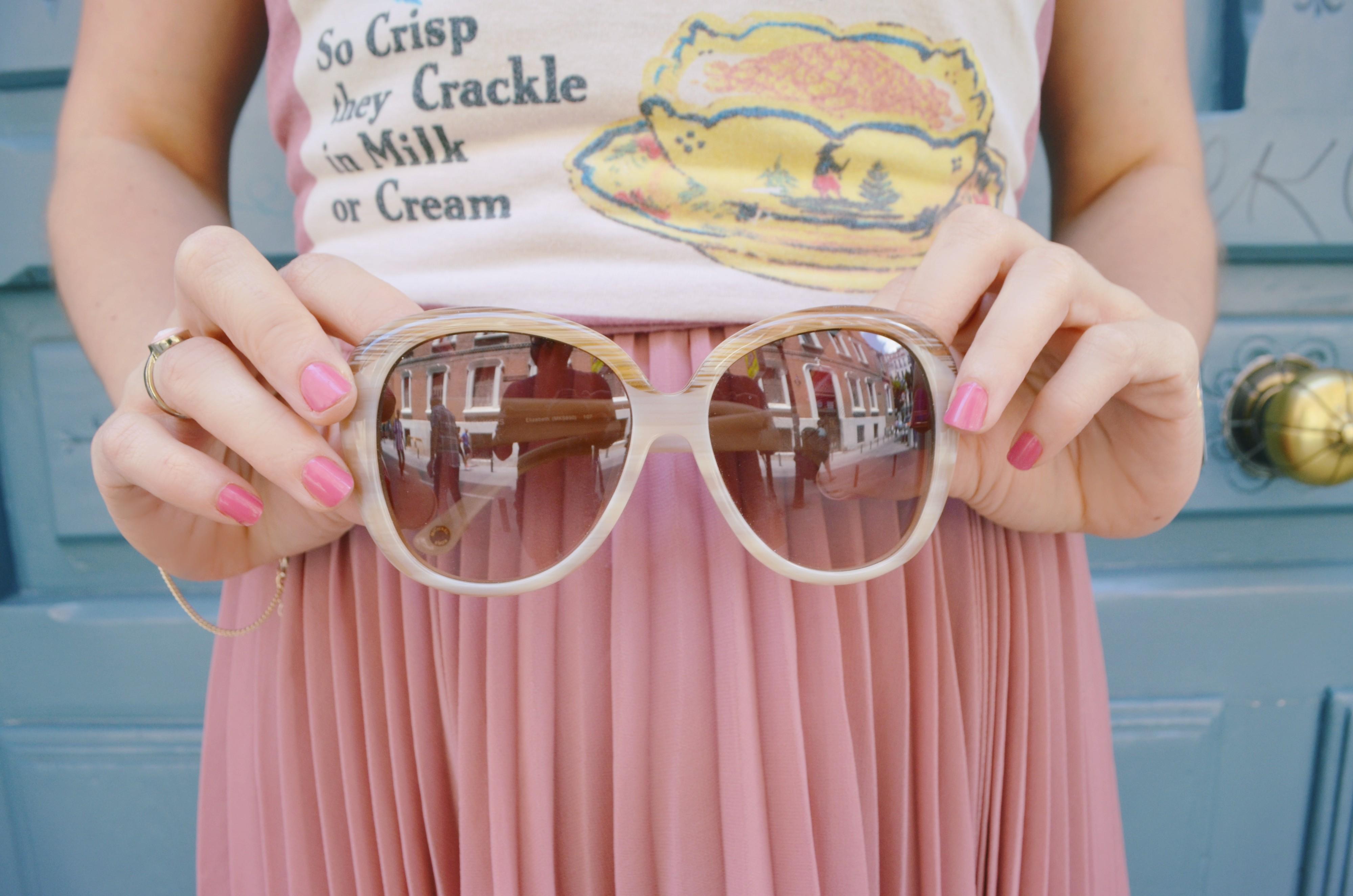 Michael-Kors-sunglasses-gafas-de-sol-verano-2016-fashionista-ChicAdicta-Chic-Adicta-Faldas-plisadas-look-rosa-cuarzo-PiensaenChic-Piensa-en-Chic