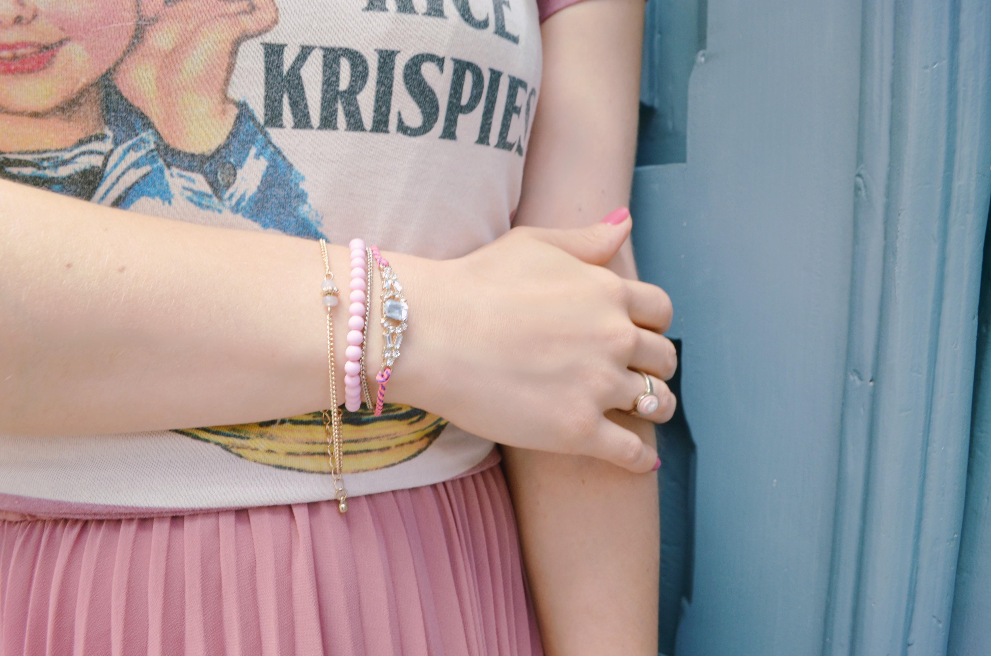 Rose-Quartz-look-blog-de-moda-fashionista-rosa-cuarzo-outfit-pulseras-de-verano-brazaletes-rosa-PepeMoll-ChicAdicta-Chic-Adicta-PiensaenChic-Piensa-en-Chic