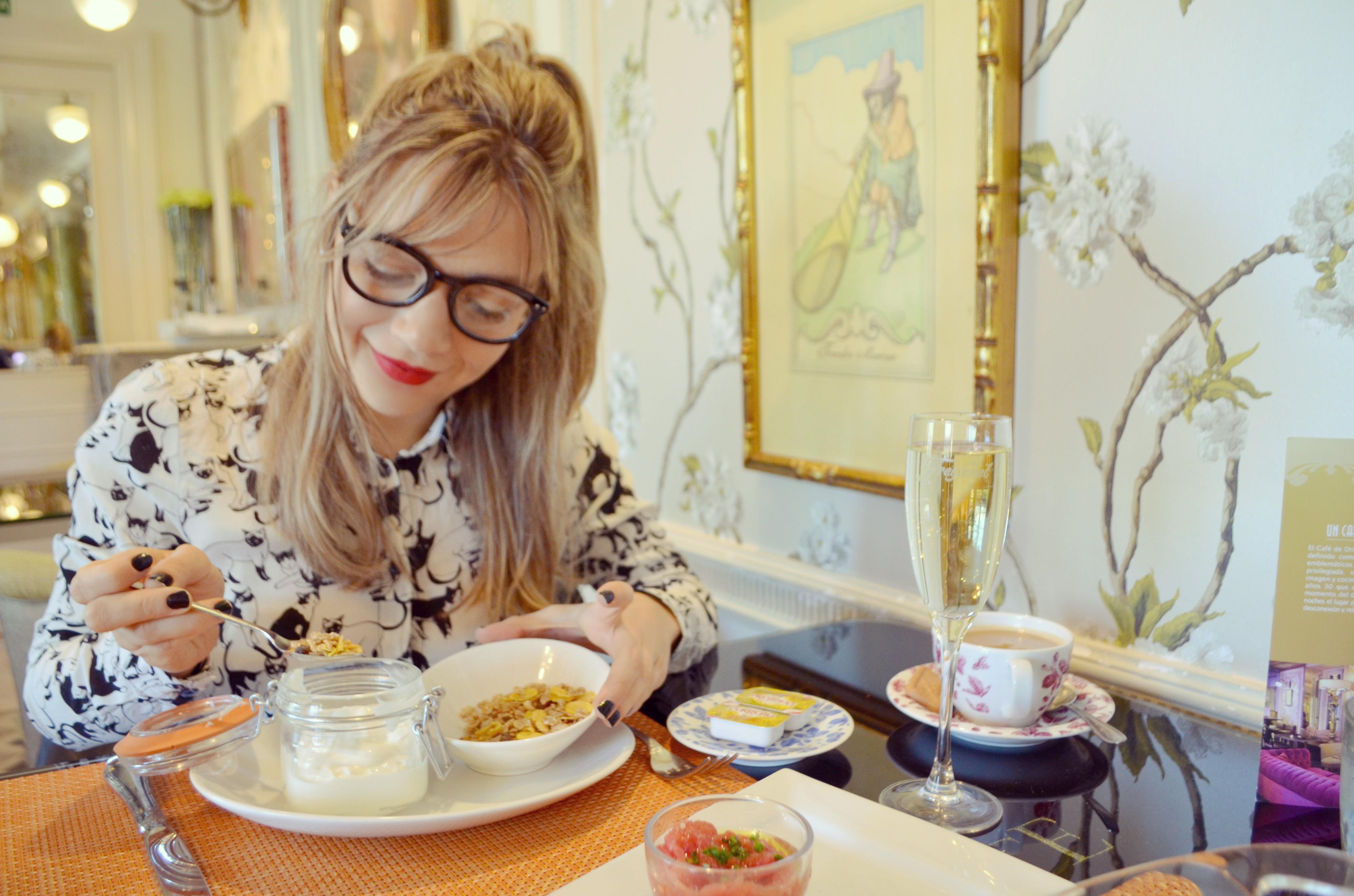 Blog-de-moda-brunch-cafe-de-oriente-fashionista-trendy-style-cereales-para-desayunar-mejores-cafes-de-Madrid-PiensaenChic-Piensa-en-Chic