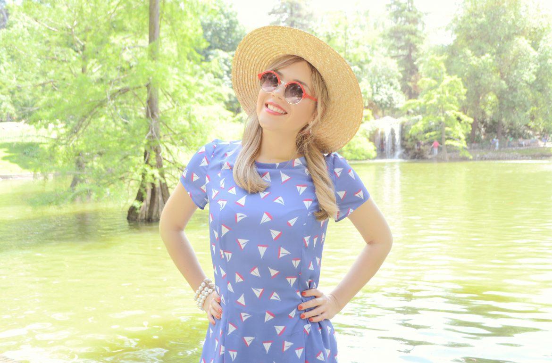 Fancy-summer-look-blog-de-moda-silvia-godino-verano-2016-ChicAdicta-Chic-Adicta-gafas-rojas-outfit-stradivarius-PiensaenChic-Piensa-en-Chic