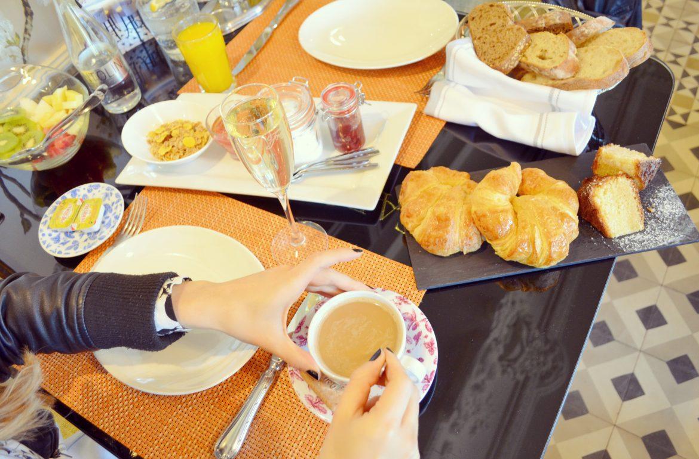 Mejores-brunch-de-Madrid-cafe-de-oriente-blog-de-moda-ChicAdicta-Chic-Adicta-coffee-place-PiensaenChic-champagne-Piensa-en-Chic