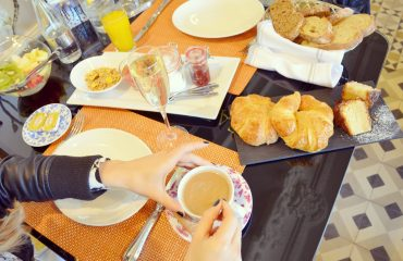 Mejores-brunch-de-Madrid-cafe-de-oriente-blog-de-moda-ChicAdicta-Chic-Adicta-coffee-place-PiensaenChic-champagne-Piensa-en-Chic