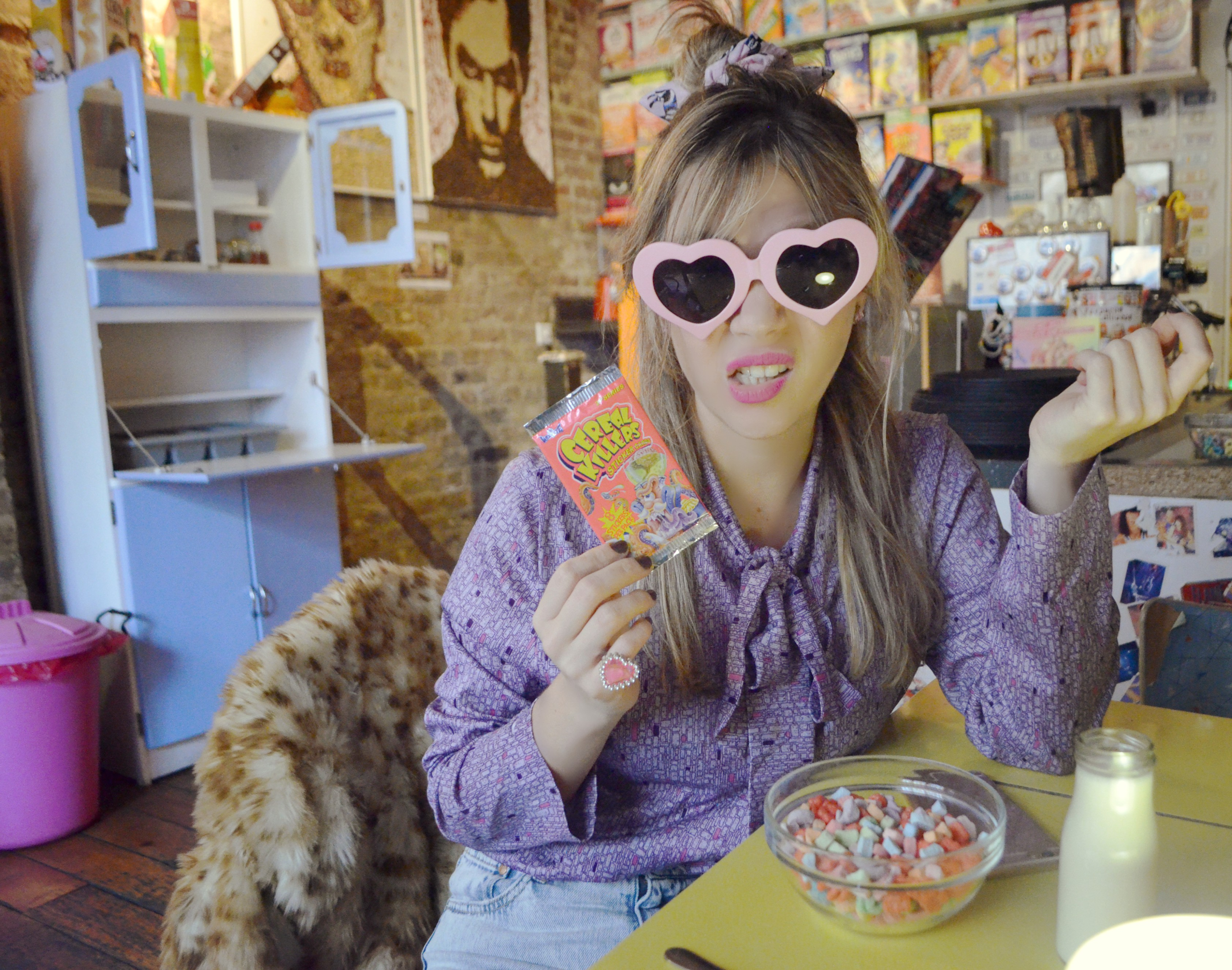 cereal-killer-cafe-london-blog-de-moda-fashionista-chicadicta-chic-adicta-vintage-style-hipster-girl-heart-sunglasses-piensaenchic-piensa-en-chic