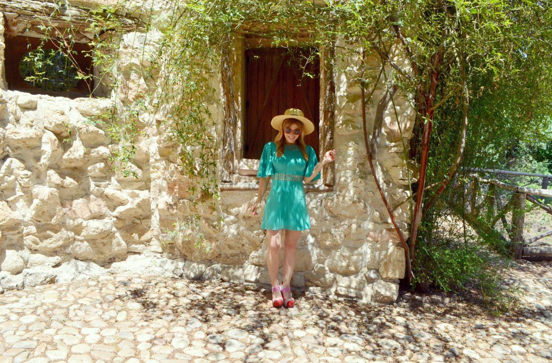 piensaenchic-blog-de-moda-look-verde-otono-fashionista-chicadicta-vestido-vintage-chic-adicta-canotier-look-piensaenchic-piensa-en-chic