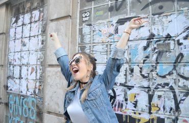 generacion43-blog-de-moda-chicadicta-fashionista-the-fab-glasses-gafas-estampadas-madrid-street-style-look-con-chaqueta-vaquera-piensaenchic-piensa-en-chic