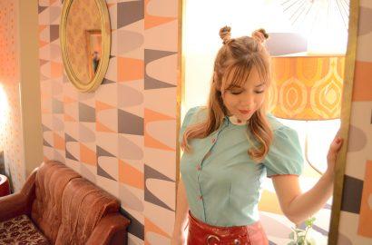 ChicAdicta-blog-de-moda-Killing-coutute-blusas-retro-Chic-Adicta-90s-hairstyle-Lolina-Vintage-cafe-Madrid-PiensaenChic-Piensa-en-Chic