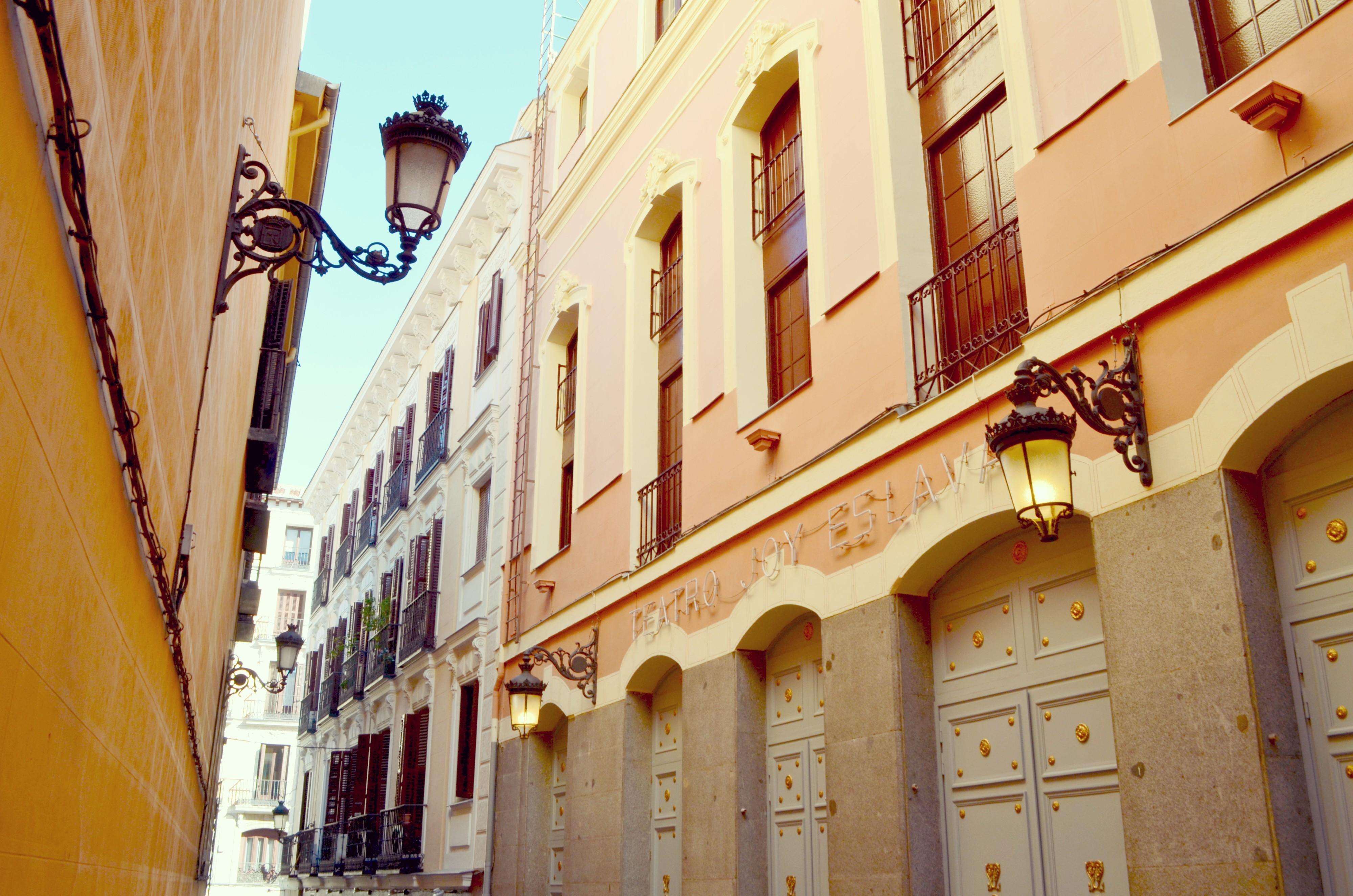 Madrid-street-style-blog-de-moda-ChicAdicta-Espana-Chic-Adicta-que-hacer-en-madrid-teatro-PiensaenChic-Piensa-en-Chic
