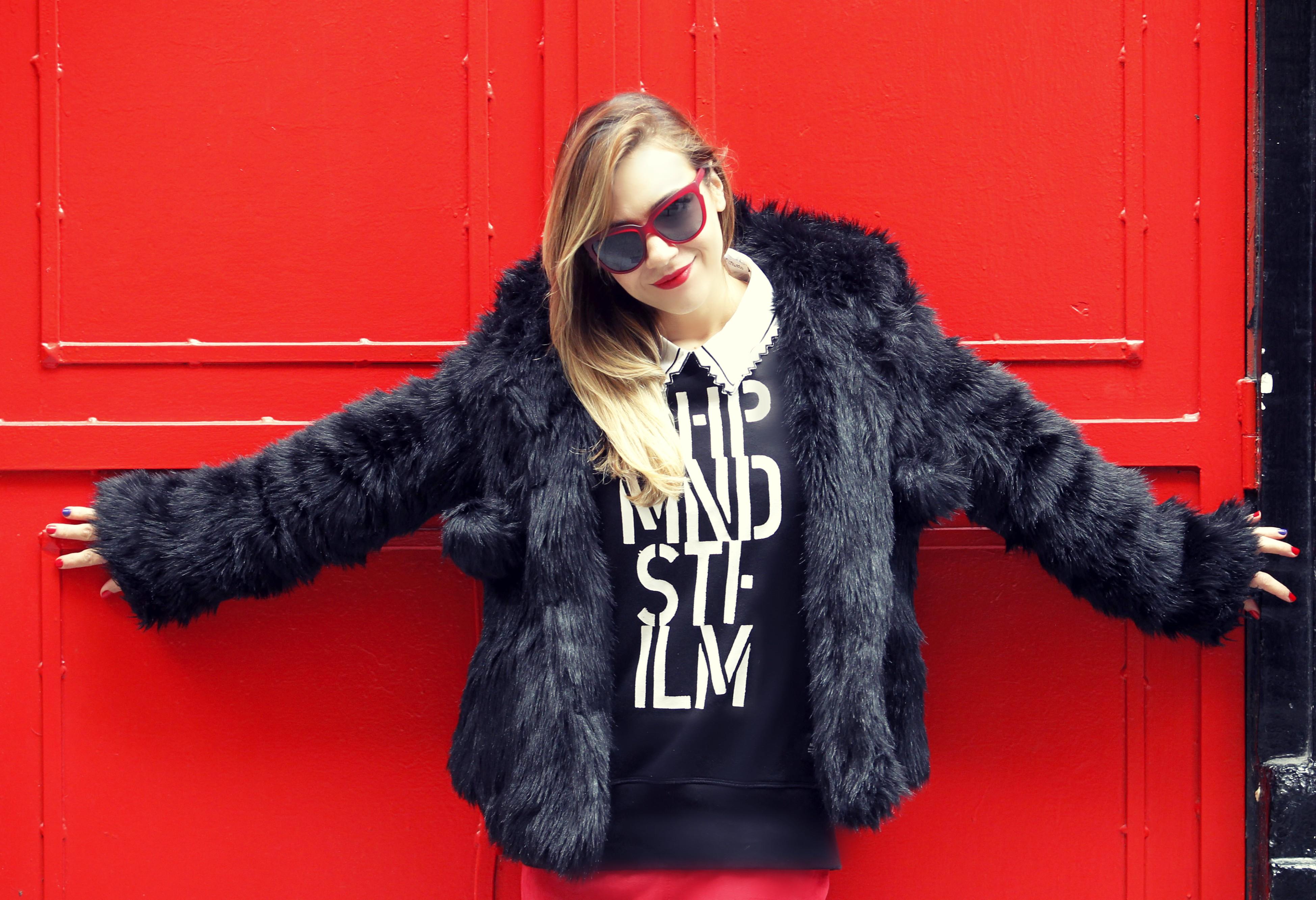 neubau-eyewear-blog-de-moda-ChicAdicta-fashionista-gafas-rojas-Chic-Adicta-Madrid-street-style-abrigo-de-pelo-Asos-PienaenChic-Piensa-en-Chic