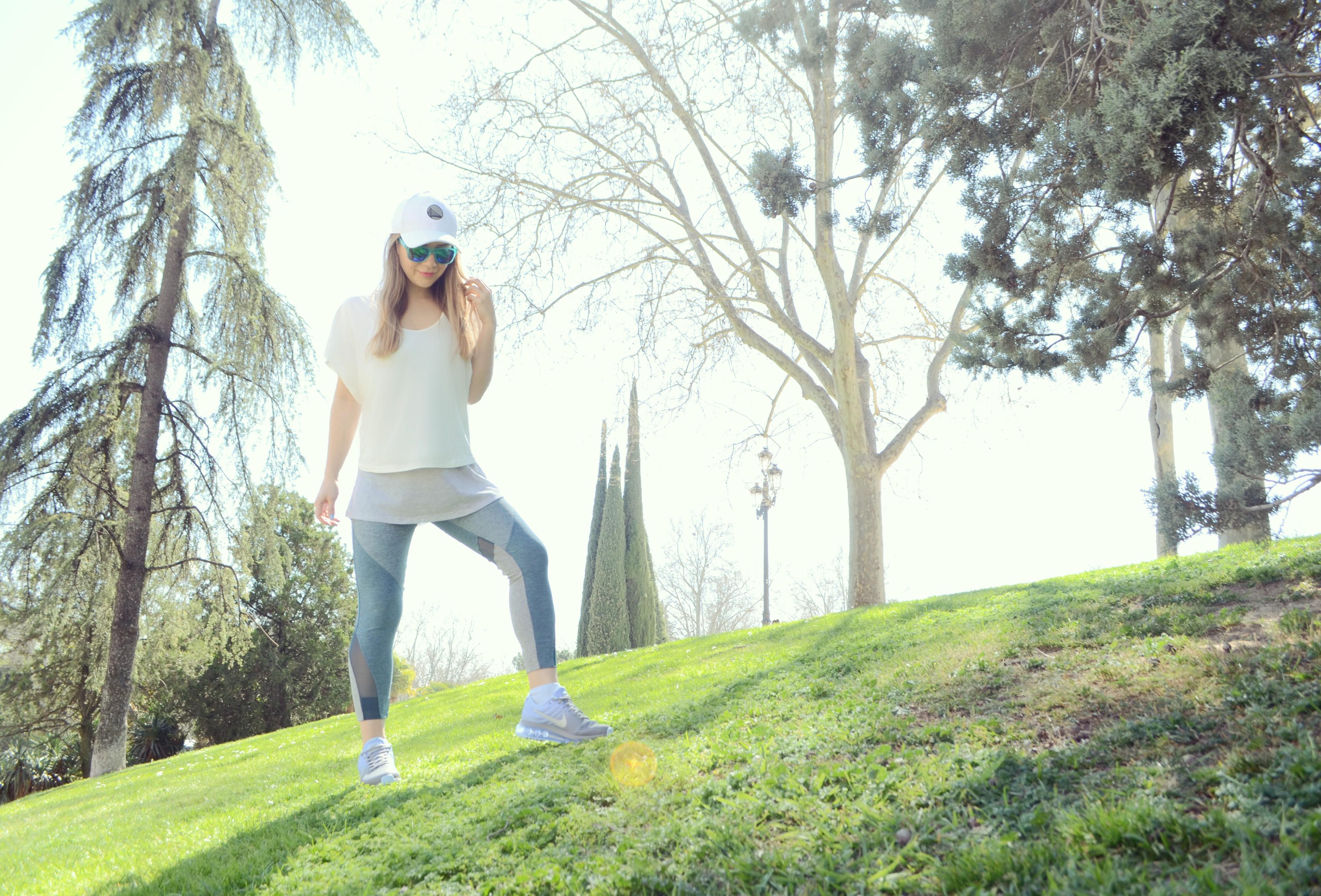Blog-de-moda-ChicAdicta-JDSports-Espana-Nike-Air-Max-2017-Chic-Adicta-look-para-correr-oysho-fashion-fitness-PiensaenChic-Piensa-en-Chic