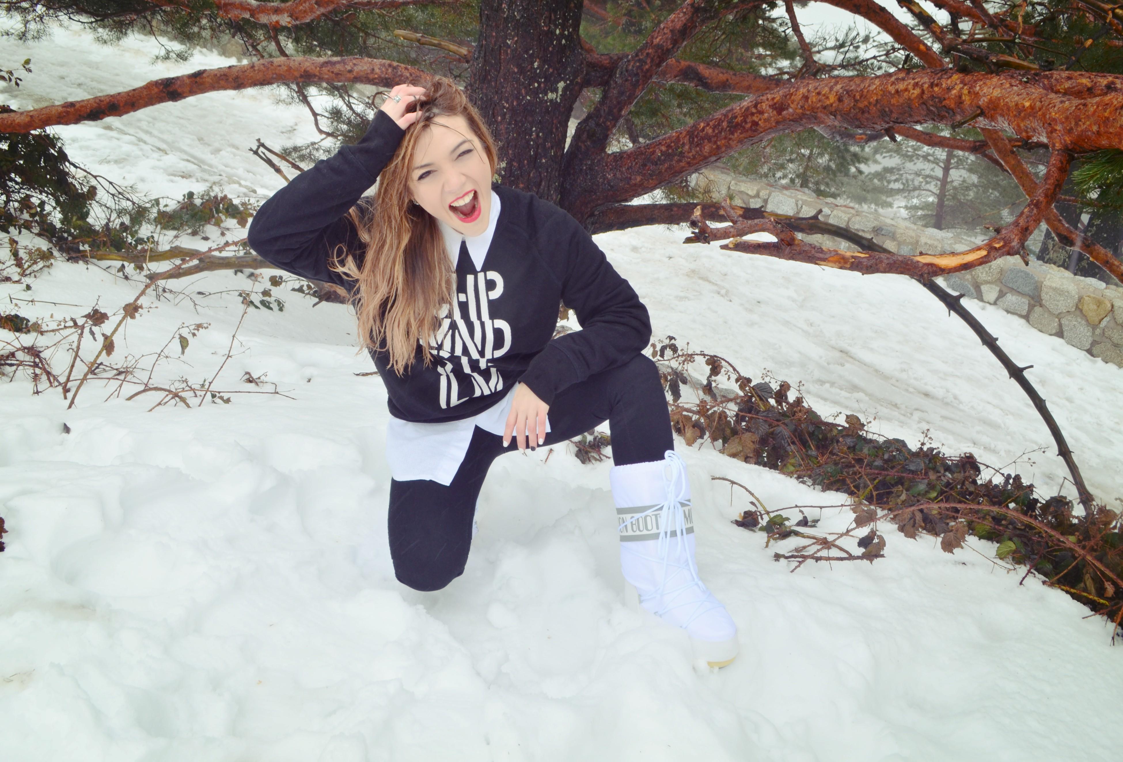 Botas-de-nieve-moon-boot-blog-de-moda-ChicAdicta-fashionista-snow-style-Chic-Adicta-look-blanco-y-negro-PiensaenChic-Piensa-en-Chic
