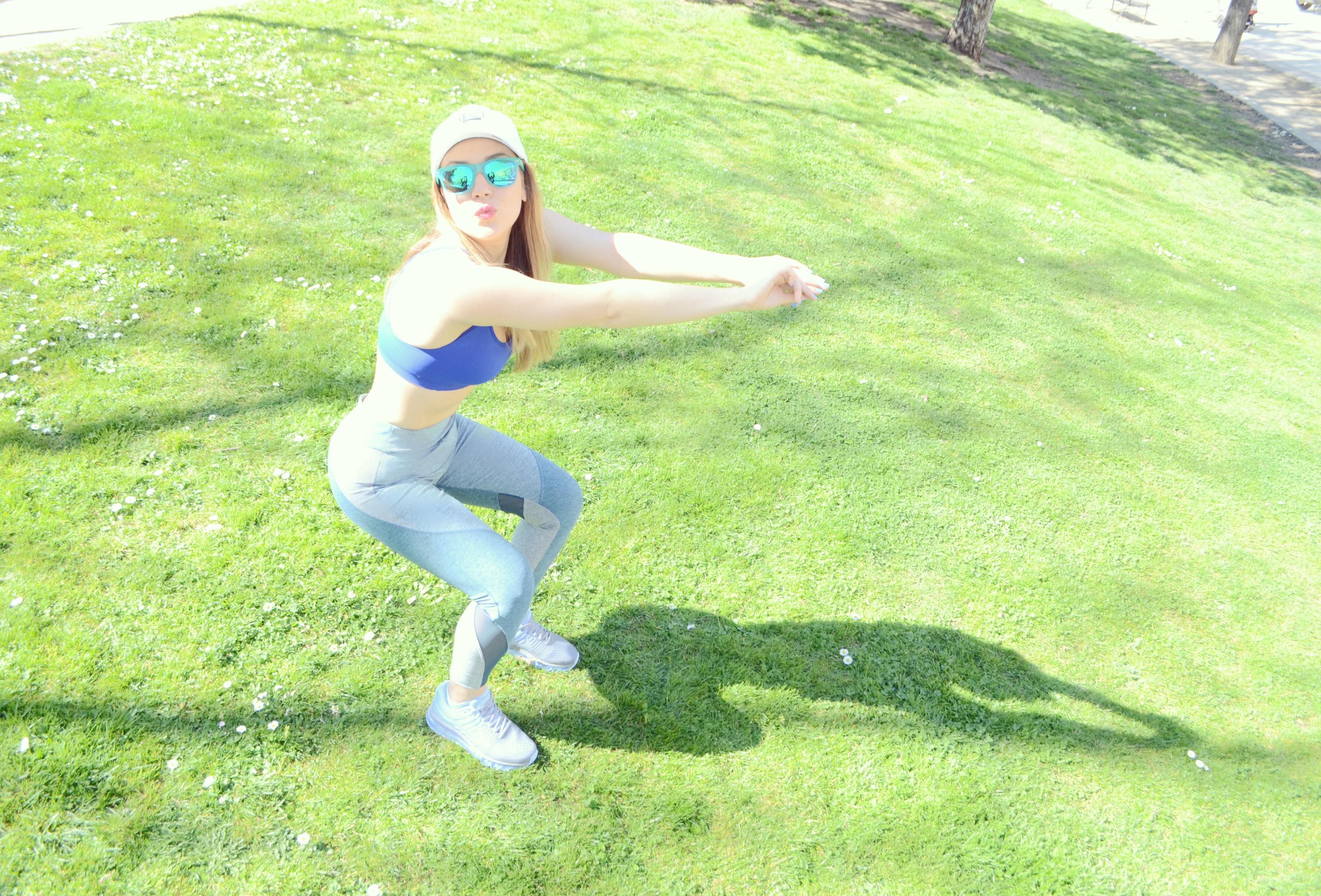 ChicAdicta-Nike-Air-Max-2017-blog-de-moda-Chic-Adicta-fashionista-gafas-de-espejo-fitness-style-oysho-deporte-PiensaenChic-Piensa-en-Chic
