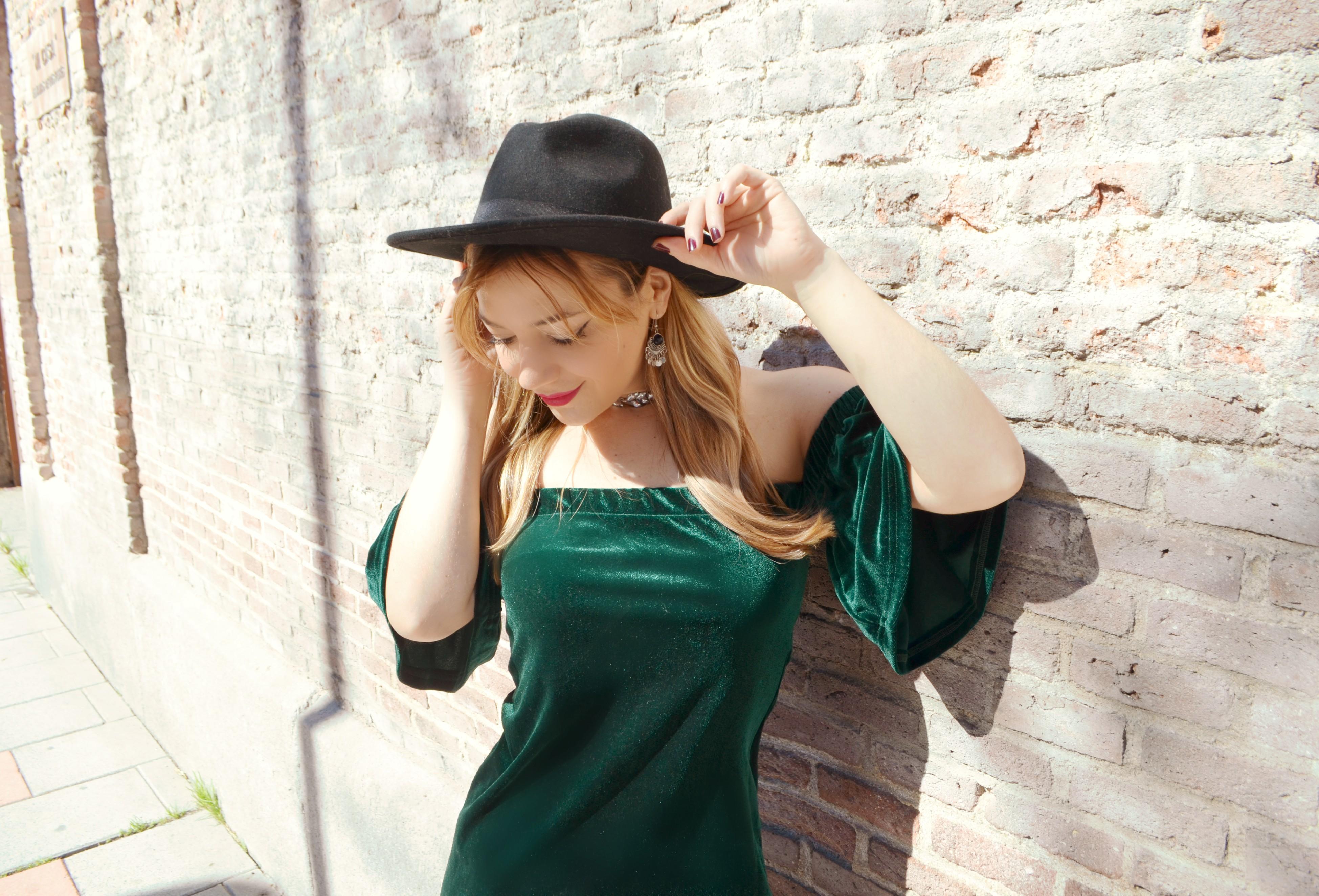 ChicAdicta-blog-de-moda-fashionista-Chic-Adicta-velvet-outfit-vestido-de-terciopelo-shein-free-people-PiensaenChic-Piensa-en-Chic