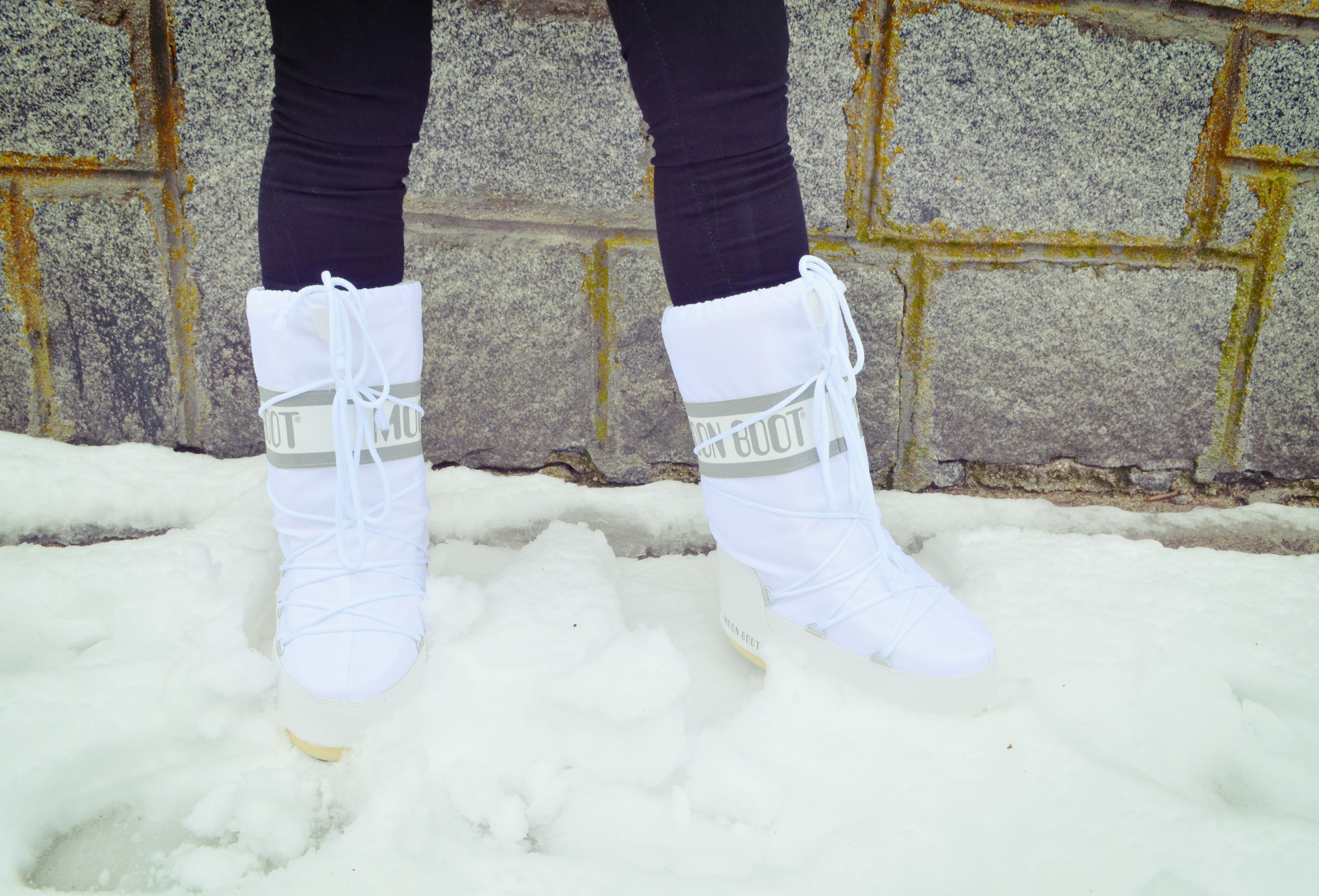 Moon-boot-the-original-blog-de-moda-fashionista-ChicAdicta-snow-booties-ChicAdicta-look-de-nieve-whithe-style-PiensaenChic-Piensa-en-Chic
