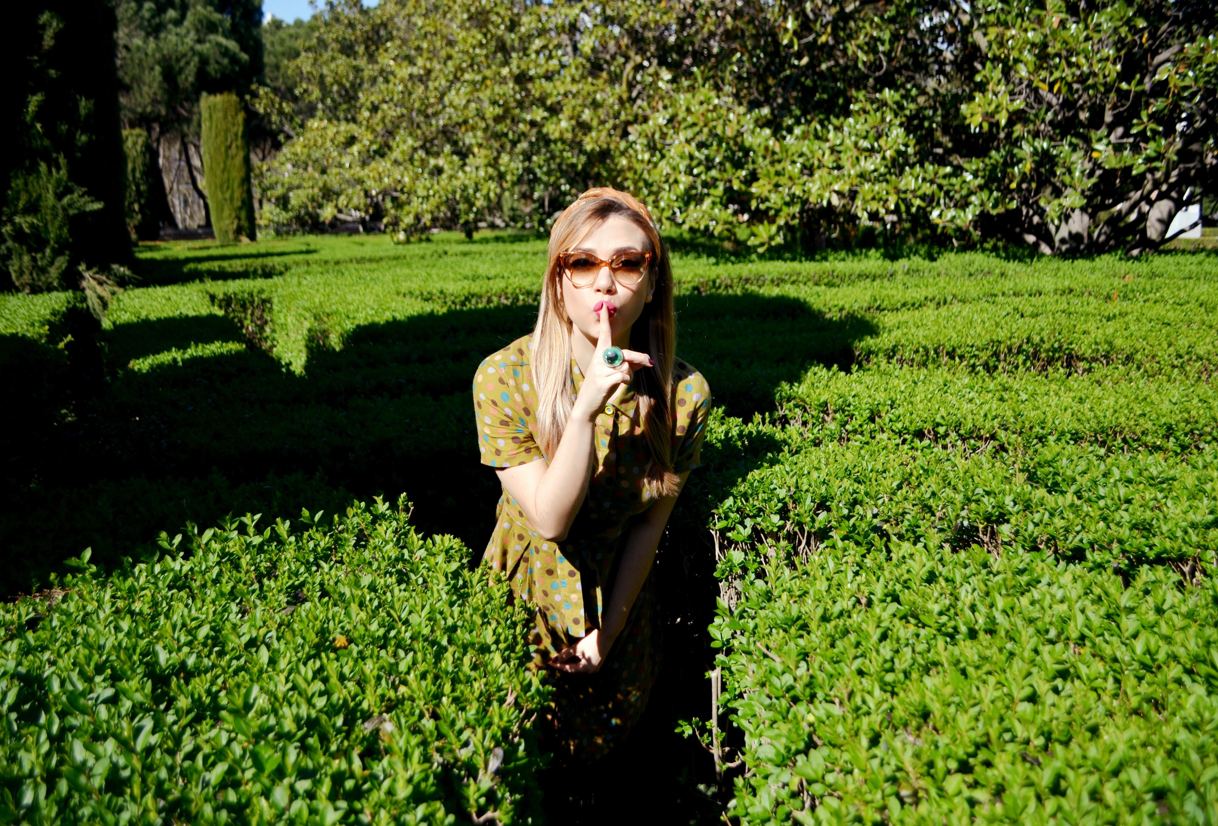 Blog-de-moda-ChicAdicta-influencer-Chic-Adicta-Madrid-street-style-vestido-de-lunares-green-look-PiensaenChic-vestido-verde-Piensa-en-Chic