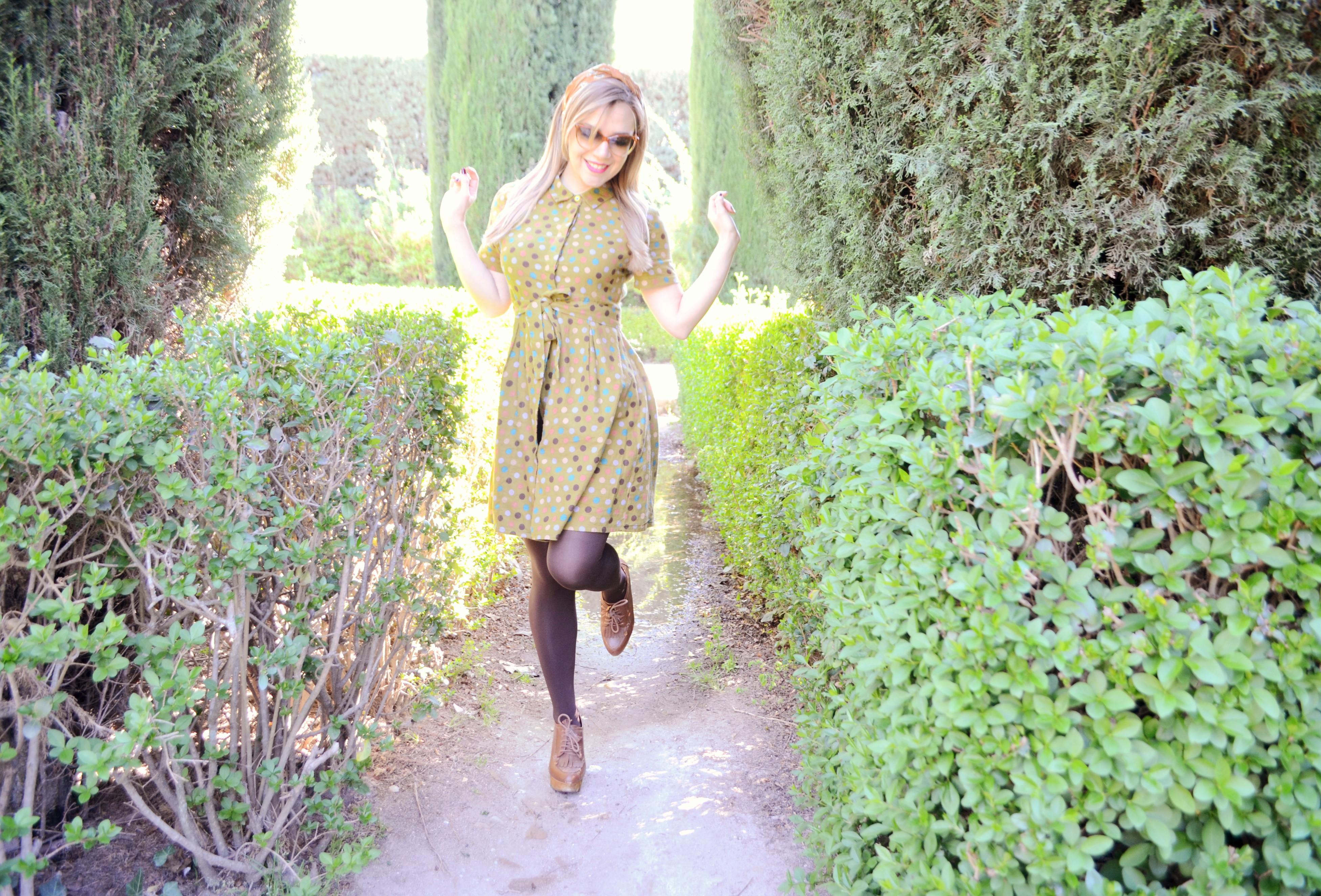 ChicAdicta-blog-de-moda-fashionista-Chic-Adicta-vestido-de-lunares-polkadot-dress-influencer-retro-style-PiensaenChic-Piensa-en-Chic