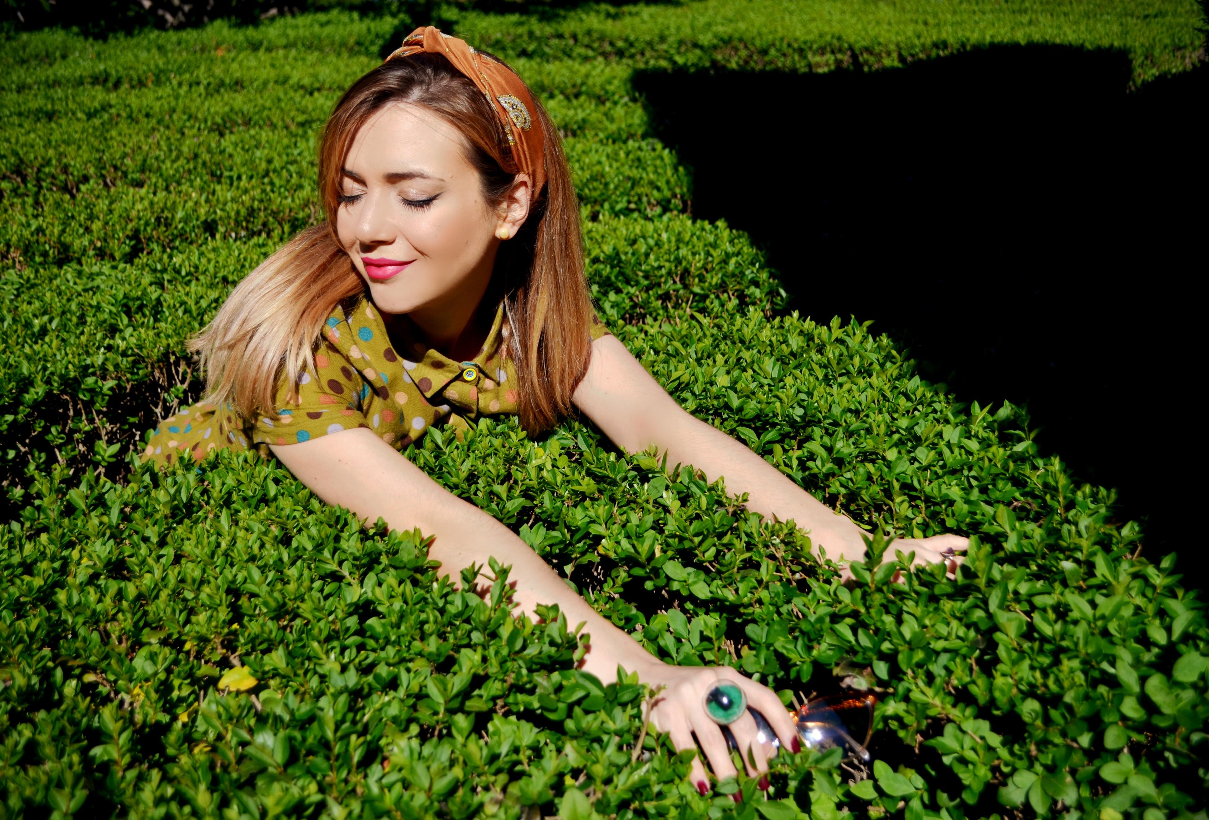 ChicAdicta-fashionista-influencer-Chic-Adicta-blog-de-moda-vestido-de-lunares-kling-ideas-con-panuelos-PiensaenChic-Piensa-en-Chic