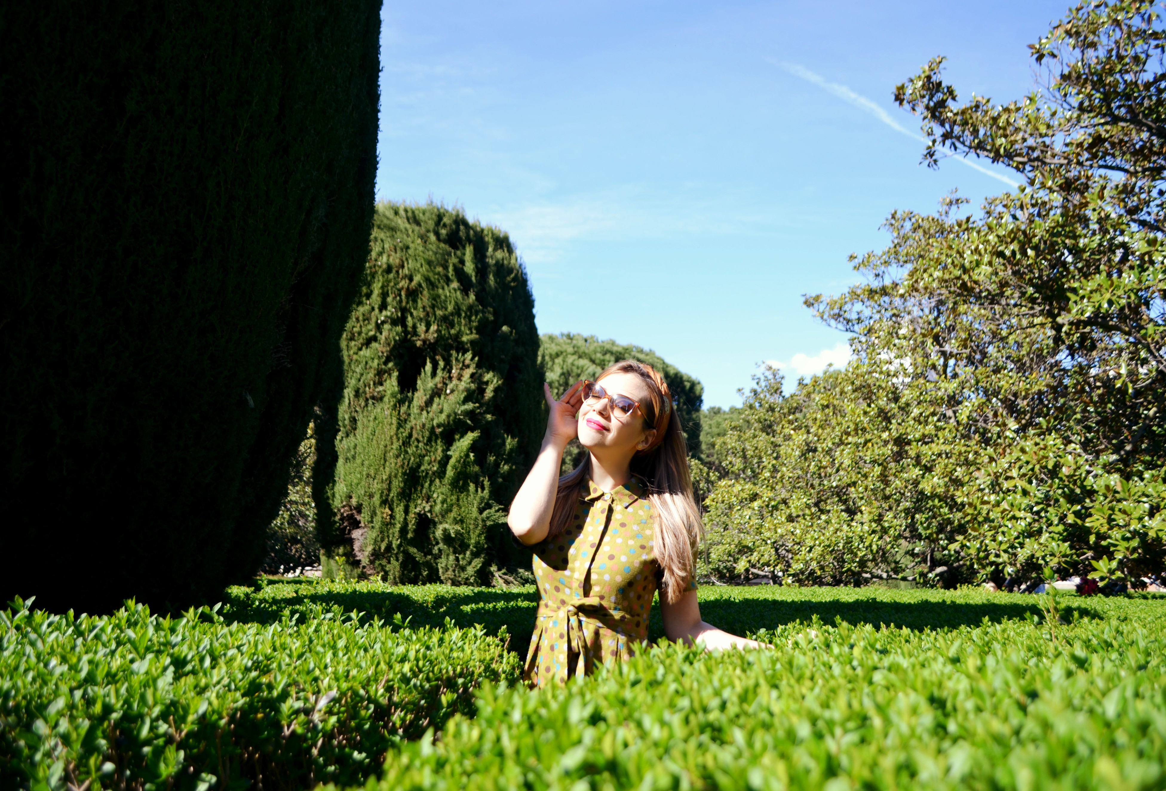 Vestido-de-lunares-Kling-blog-de-moda-ChicAdicta-fashionista-Chic-Adicta-polkadot-dress-vintage-look-influencer-Madrid-PiensaenChic-Piensa-en-Chic