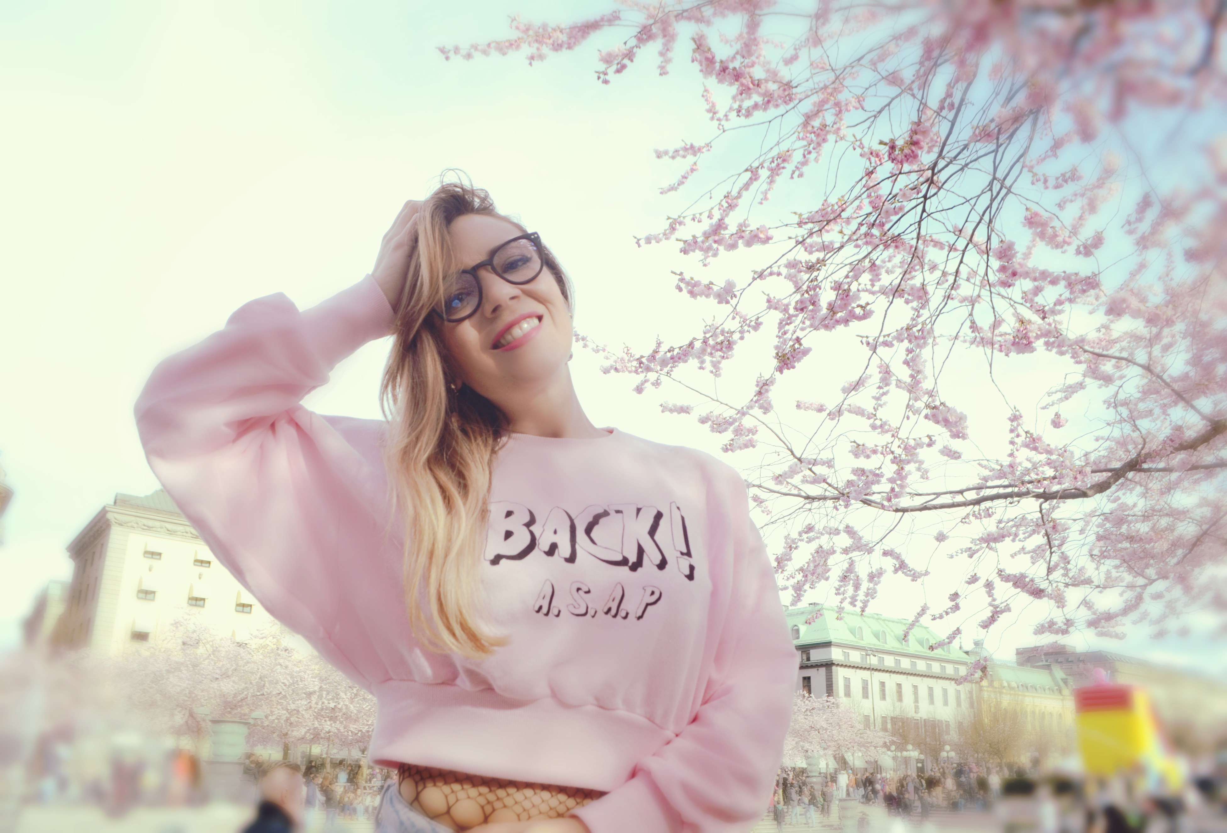 Blog-de-moda-the-90s-look-blog-de-viajes-ChicAdicta-influencer-Chic-Adicta-primavera-en-Estocolmo-fashionista-PiensaenChic-Piensa-en-Chic