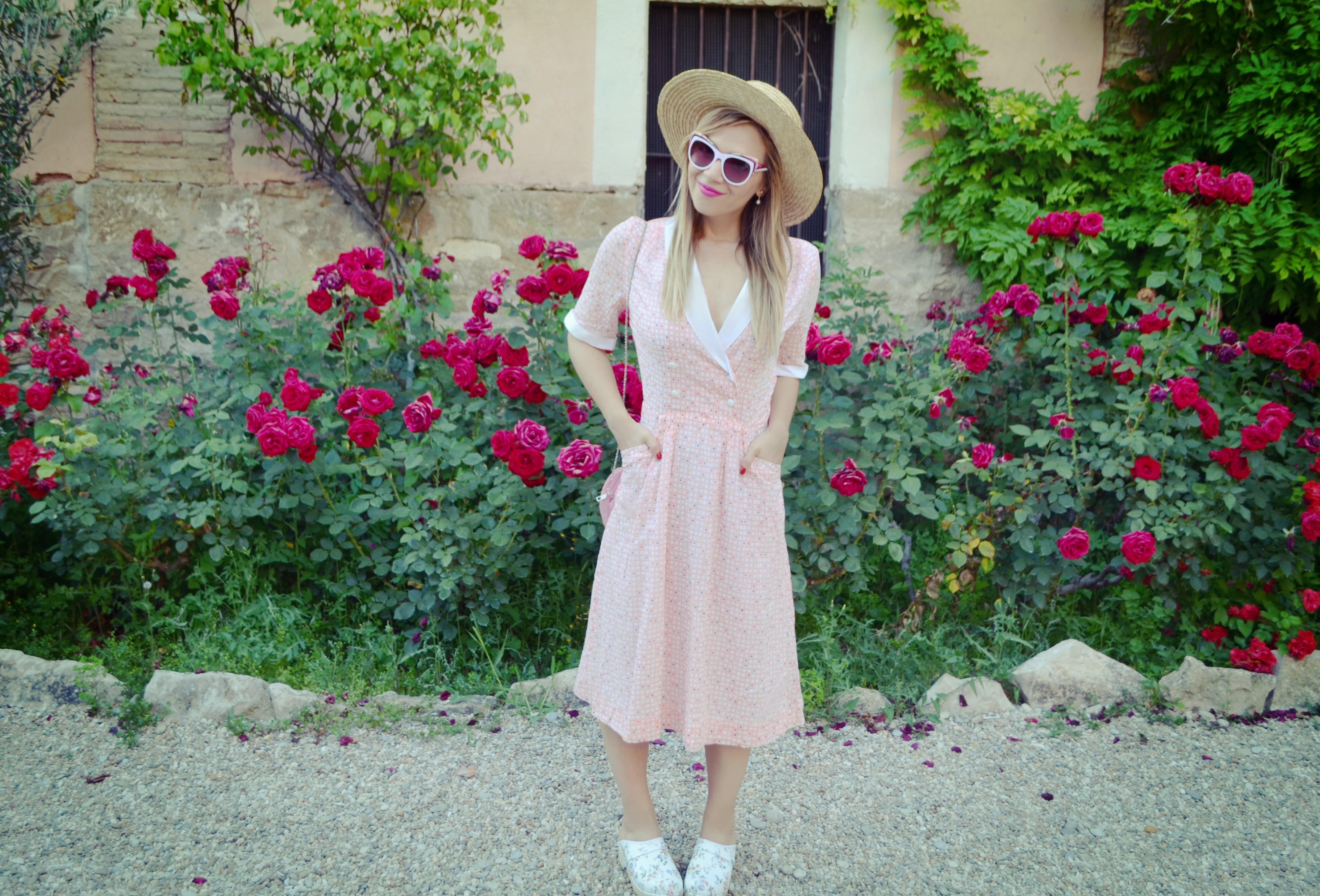 ChicAdicta-blog-de-moda-fashionista-influencers-florette-vestidos-de-flores-suecos-retro-canotier-style-PiensaenChic-Piensa-en-Chic