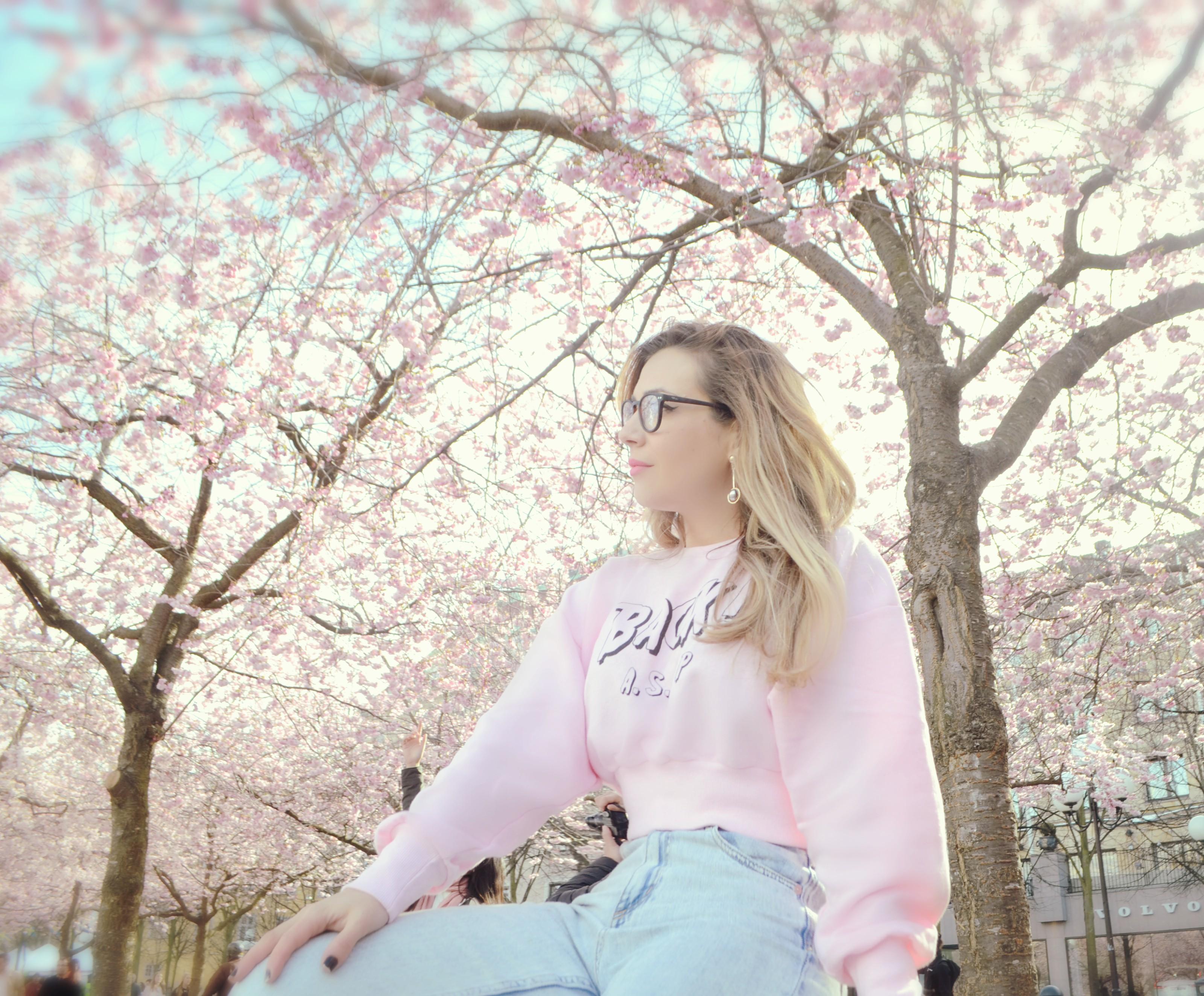 The-90s-look-blog-de-moda-ChicAdicta-fashionista-outfit-rosa-Zara-Chic-Adicta-primavera-en-estocolmo-Piensa-en-Chic-PiensaenChic