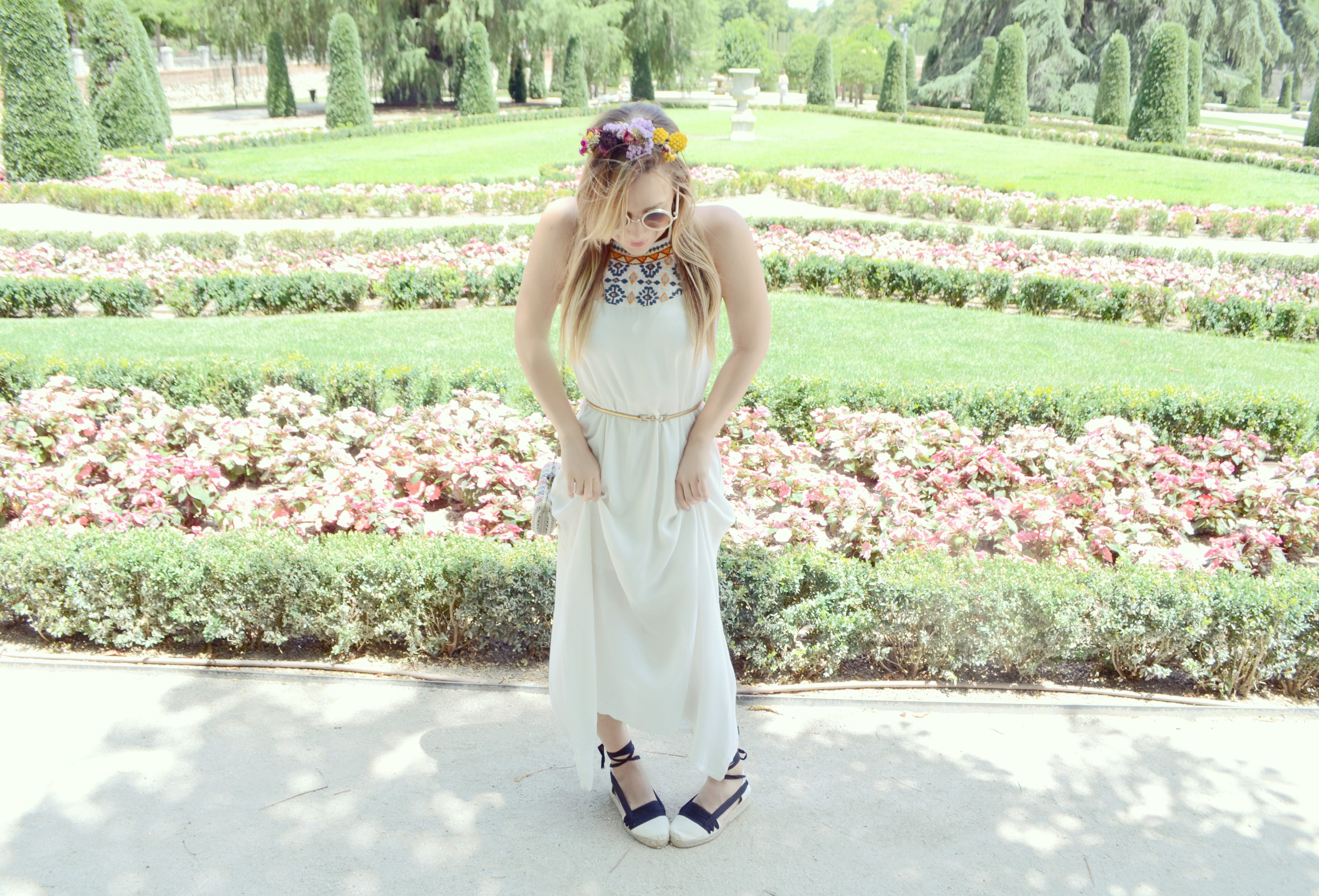 Vestidos-largos-fashionista-ChicAdicta-blog-de-moda-influencer-Madrid-Chic-Adicta-surkana-dona-alpargata-PiensaenChic-Piensa-en-Chic