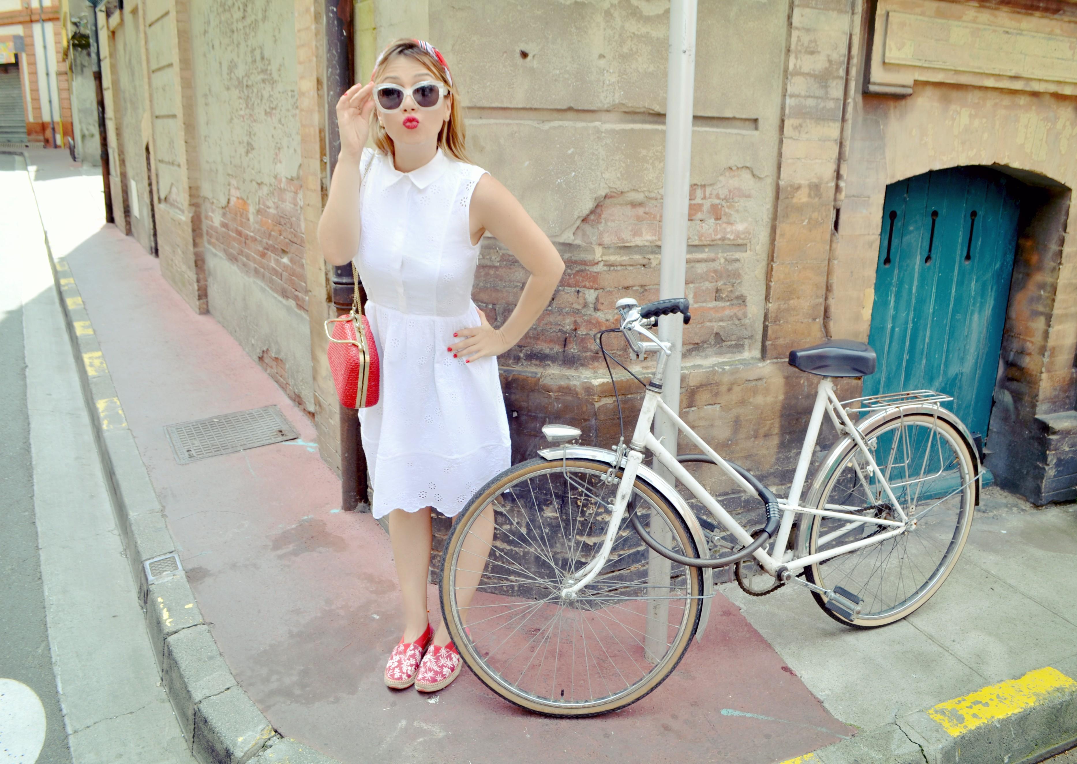 Blog-de-moda-ChicAdicta-alpargatas-instint-Chic-Adicta-fashiontravel-Toulouse-vestido-blanco-retro-PiensaenChic-Piensa-en-Chic