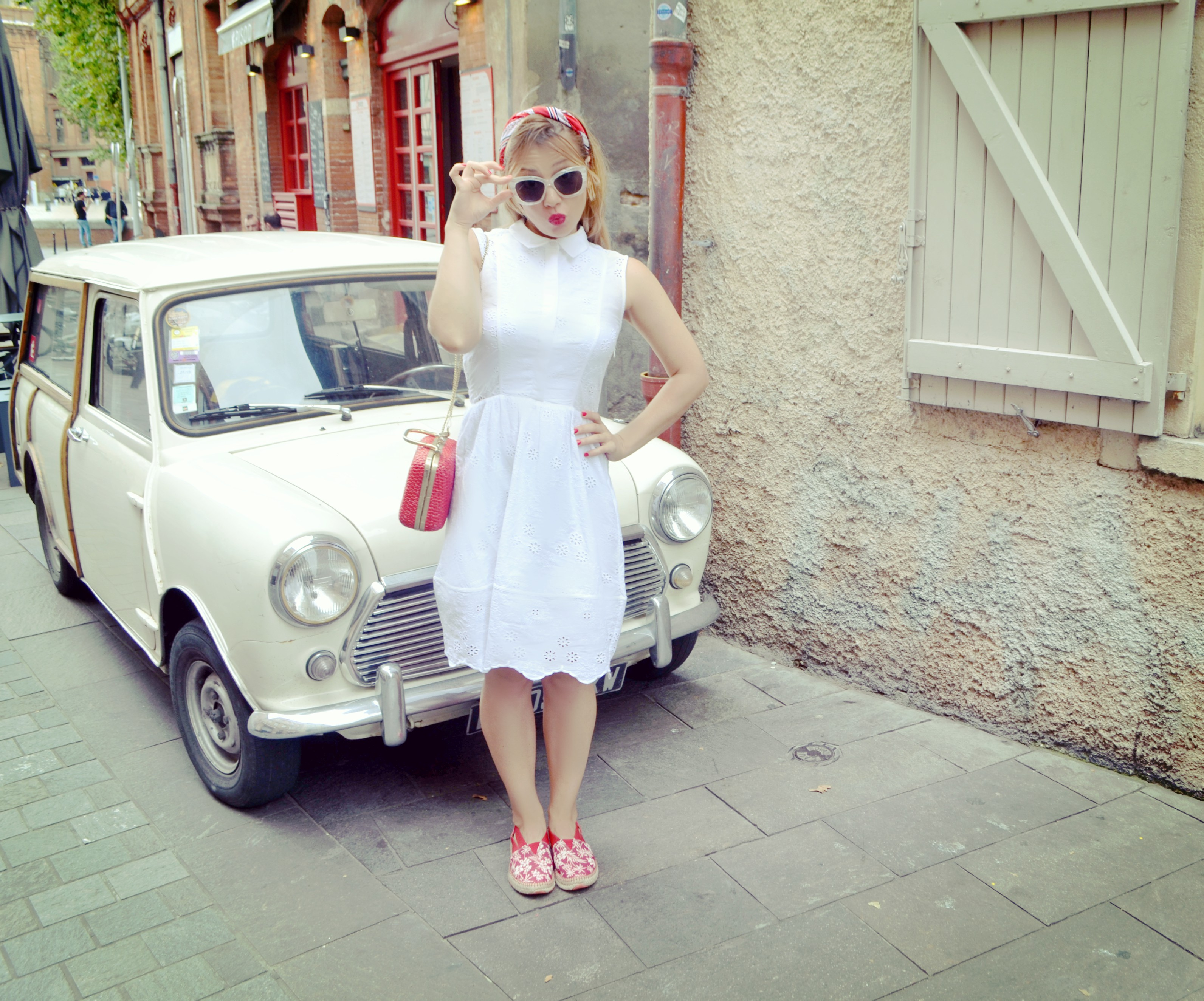 Blog-de-moda-vestidos-blancos-fashionista-Influencer-traveller-ChicAdicta-Toulouse-france-Chic-Adicta-instint-alpargatas-PiensaenChic-Piensa-en-Chic