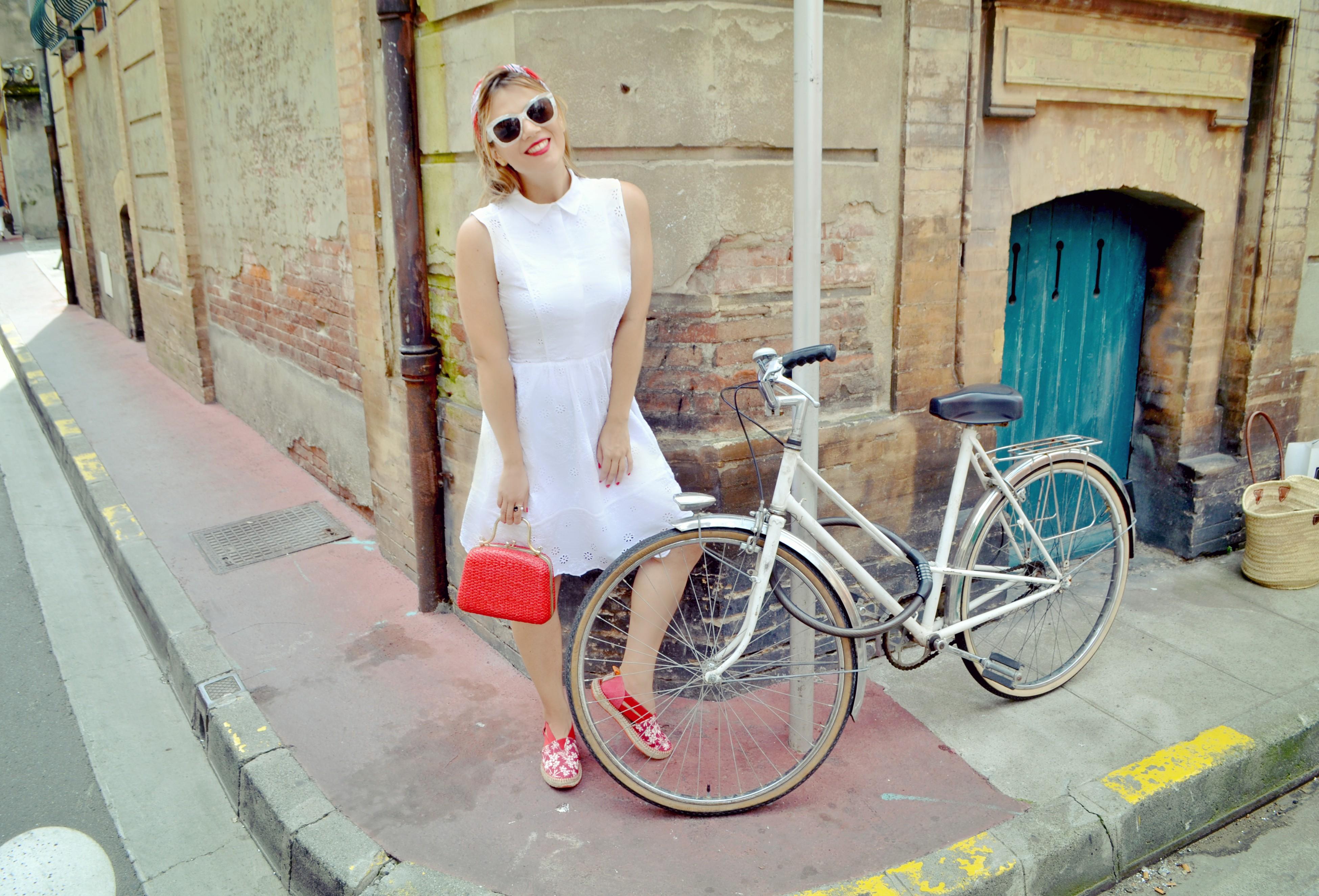 Vestido-blanco-ChicAdicta-blog-de-moda-Chic-Adicta-retro-style-alpargatas-instint-fancy-look-blog-de-moda-Toulouse-PiensaenChic-Piensa-en-Chic