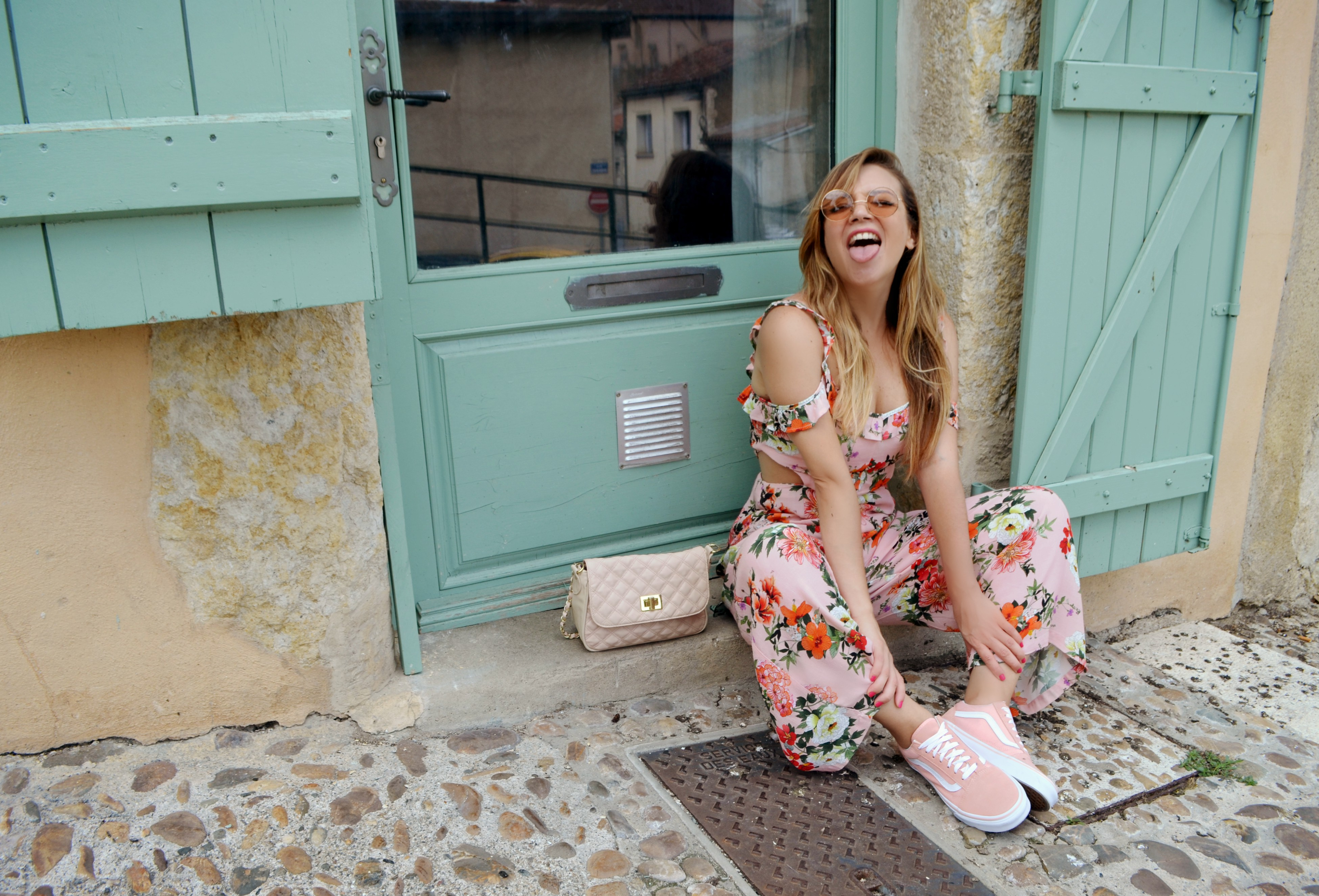 Vans-Old-Skool-jdsports-ChicAdicta-fashionista-Chic-Adicta-blog-de-moda-Auch-Francia-travel-blogger-look-pastel-PiensaenChic-Piensa-en-Chic