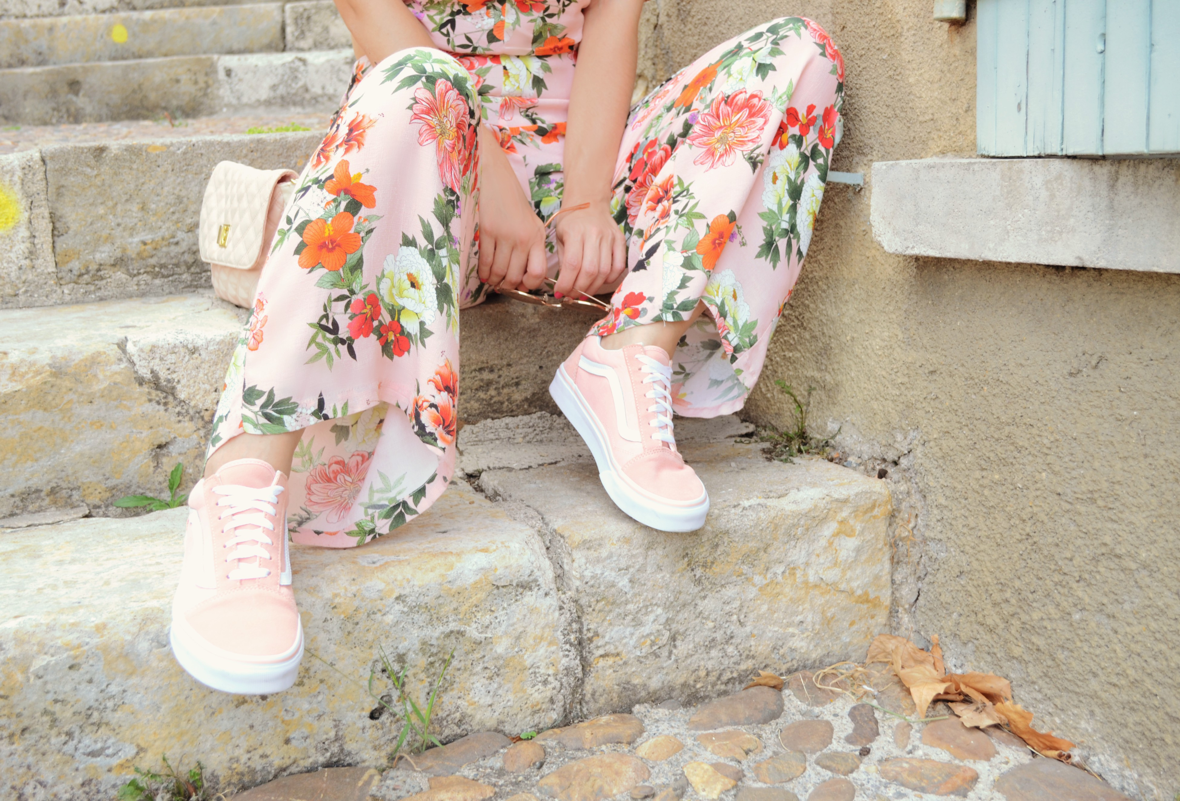 Vans-Old-Skool-jdsports-fashionista-ChicAdicta-blog-de-moda-Chic-Adicta-influencer-mono-de-flores-bershka-PiensaenChic-Piensa-en-Chic