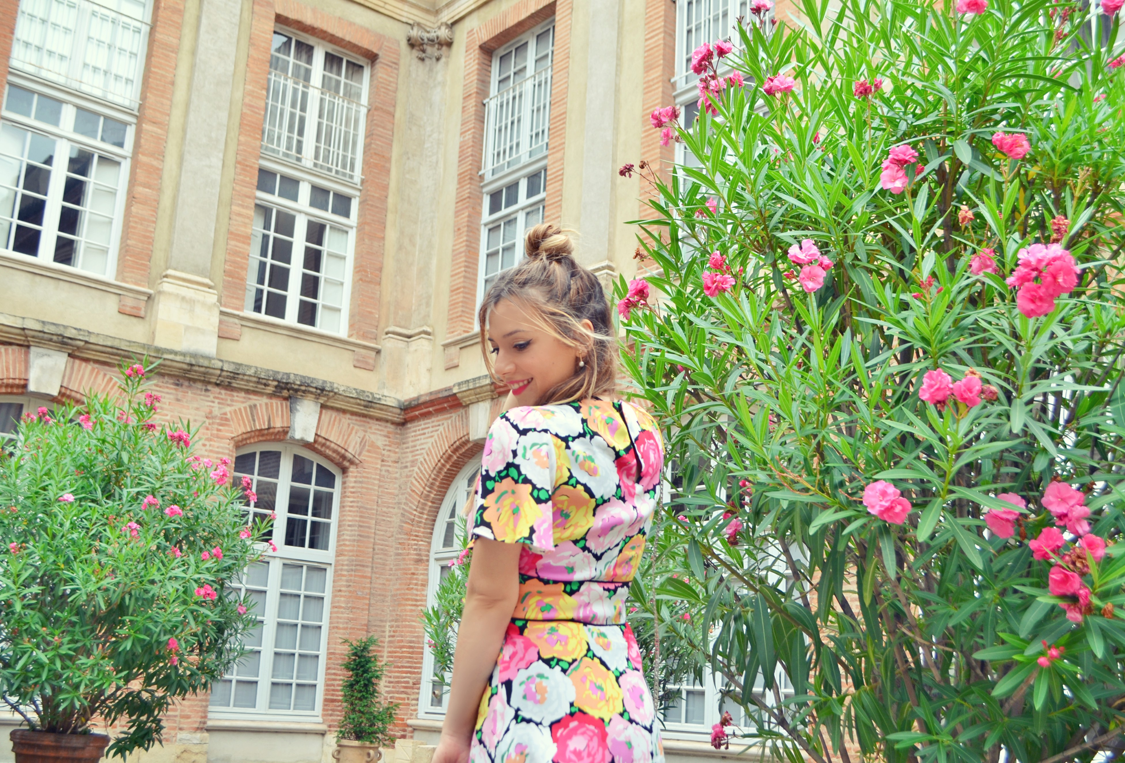 Blog-de-moda-Chic-Adicta-influencer-ChicAdicta-flower-dress-Zara-Que-ver-en-Toulouse-fancy-style-PiensaenChic-Piensa-en-Chic
