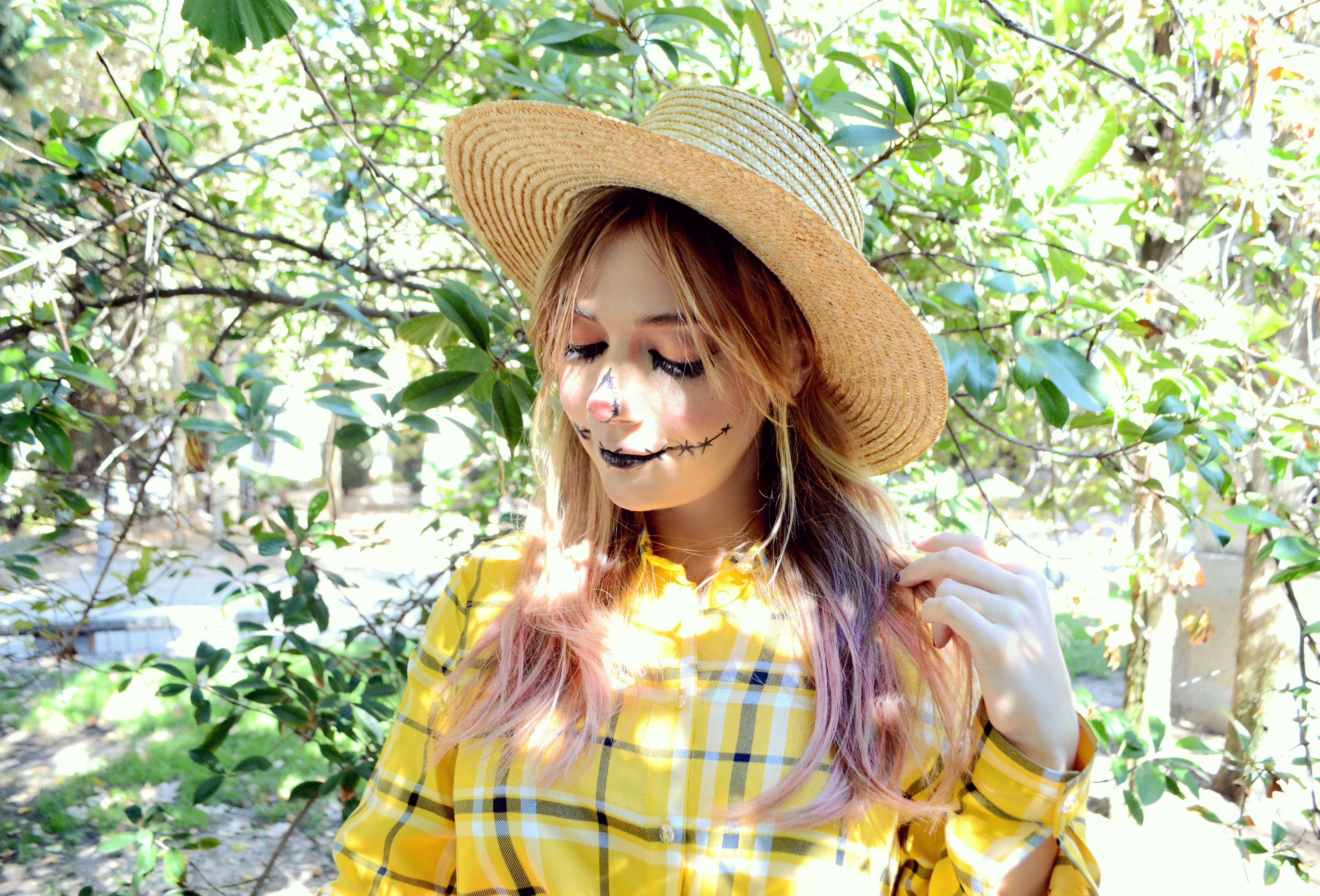 Blog-de-moda-ChicAdicta-influencer-Chic-Adicta-maquillaje-de-halloween-urvan-fashionista-Madrid-pink-hair-PiensaenChic-Piensa-en-Chic