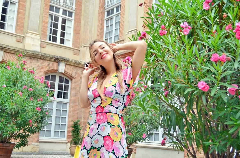 Fashionista-blog-de-moda-ChicAdicta-look-de-flores-Chic-Adicta-vestidos-Zara-fashion-travel-que-ver-en-Toulouse-PiensaenChic-Piensa-en-Chic