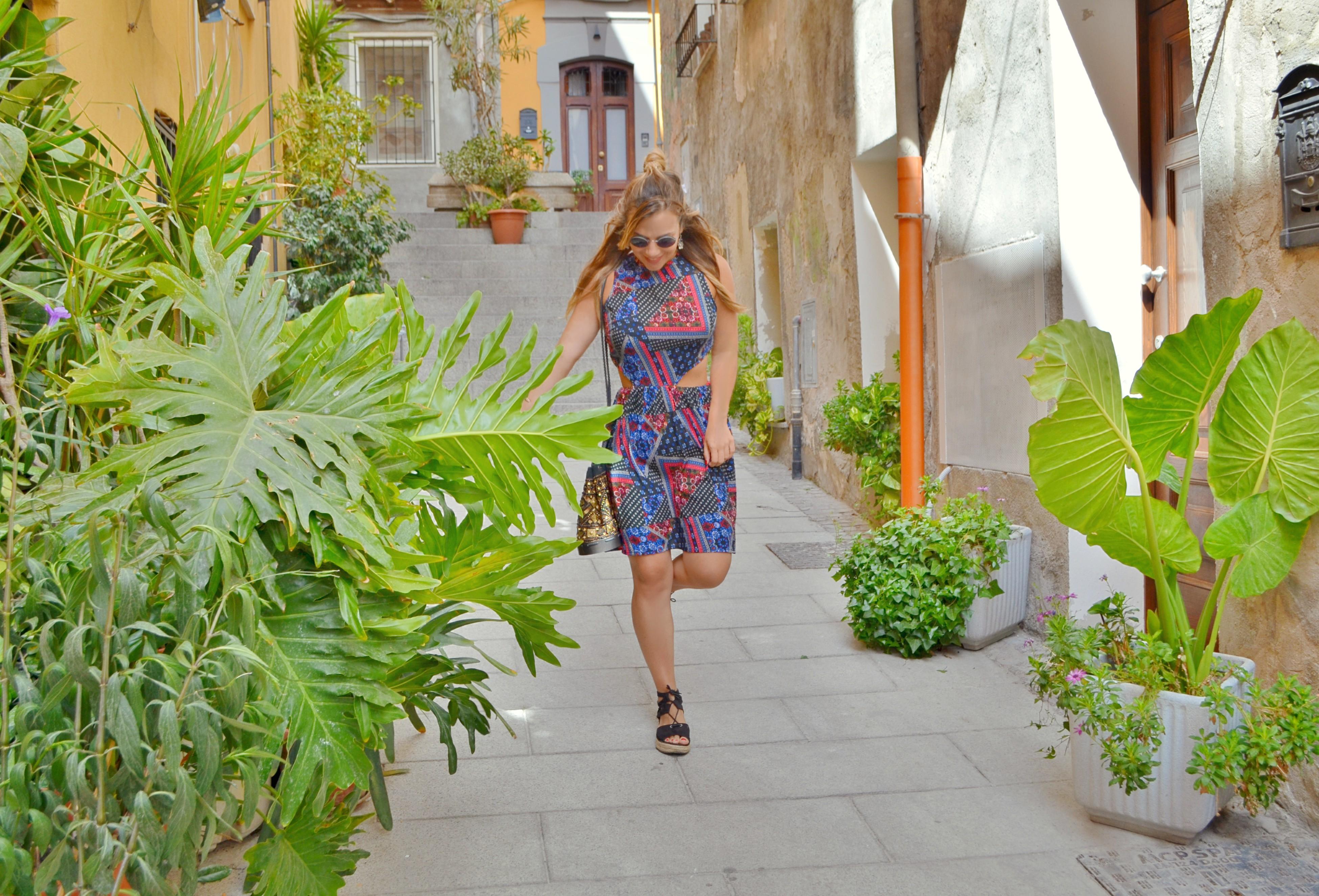 Influencer-Blog-de-moda-ChicAdicta-fashionista-Chic-Adicta-Asos-dresses-hippie-style-verono-outfit-gafas-silhouette-PiensaenChic-Piensa-en-Chic