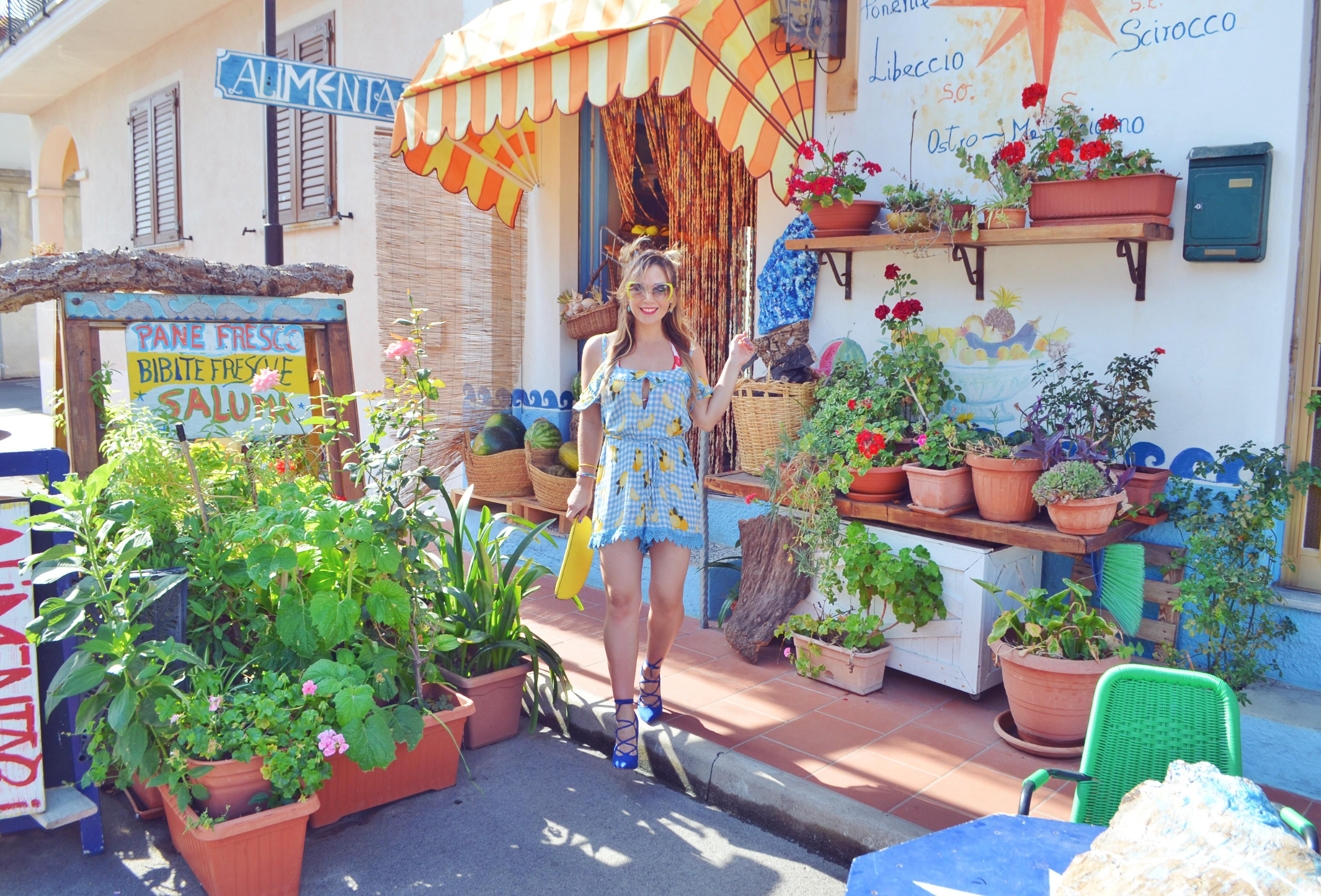 Monos-de-verano-Blog-de-moda-ChicAdicta-influencer-Madrid-Chic-Adicta-fashionista-que-ver-en-cerdena-Italia-street-style-PiensaenChic-Piensa-en-Chic