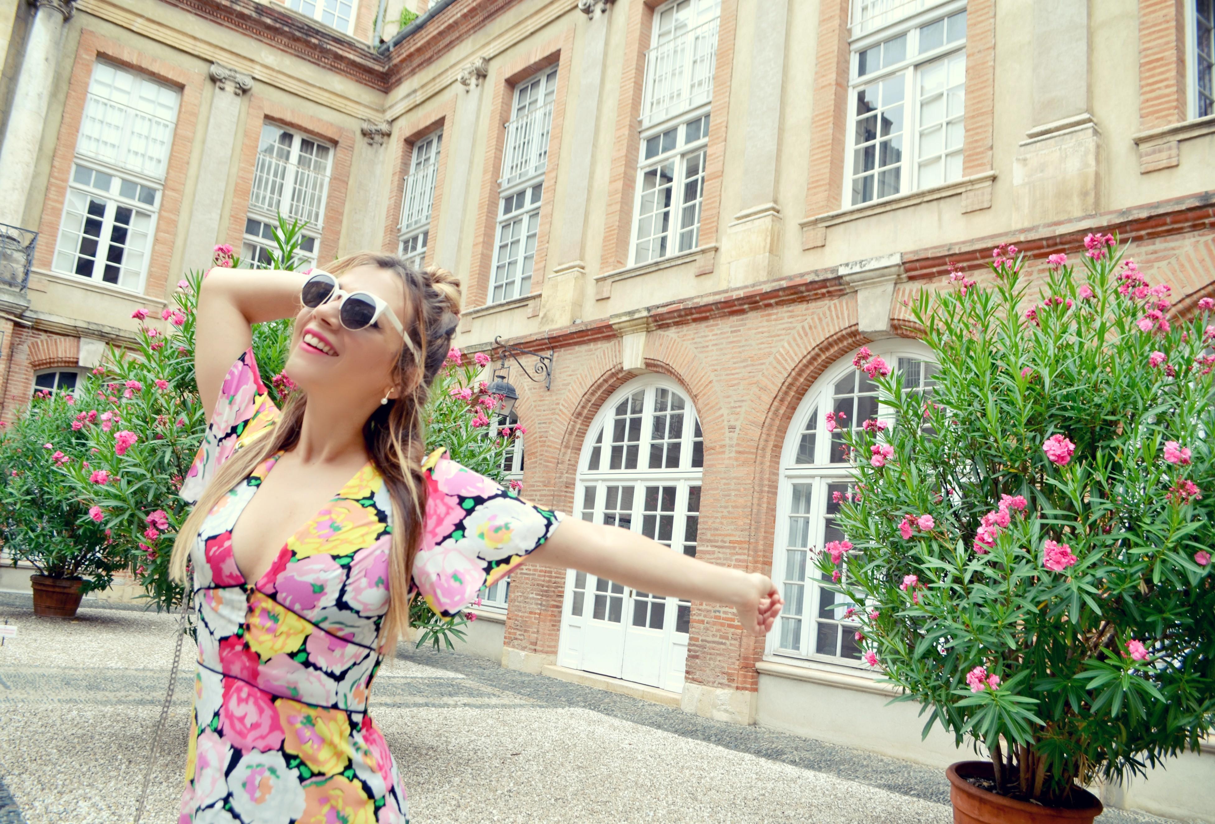 Vestido-de-flores-Zara-blog-de-moda-Chic-Adicta-influencer-Chic-Adicta-fashionista-flower-dress-verono-PiensaenChic-Piensa-en-Chic