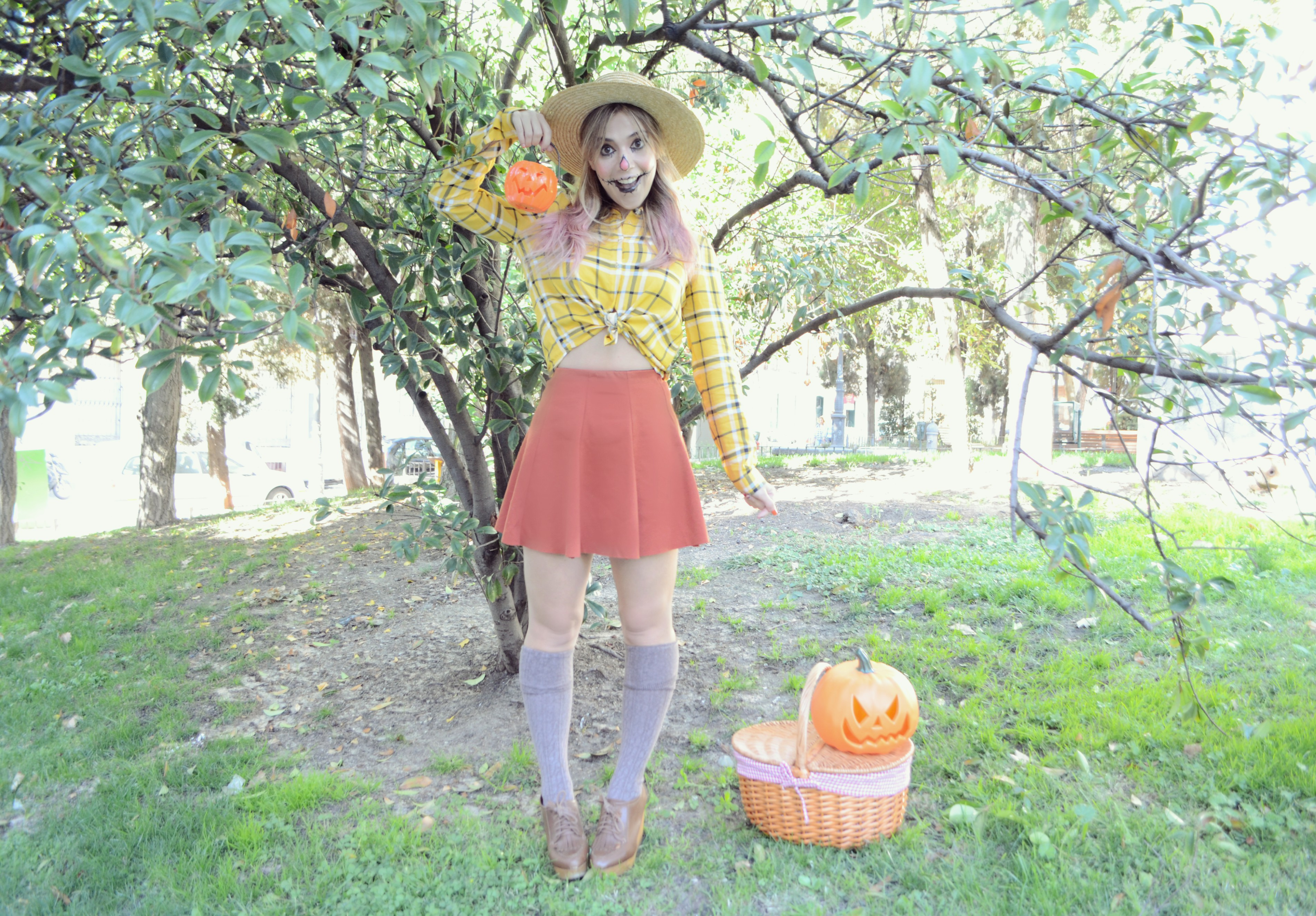 scarecrow-makeup-halloween-costume-ChicAdicta-influencer-Chic-Adicta-blog-de-moda-fashionista-urvan-beauty-on-the-go-Madrid-PiensaenChic-Piensa-en-Chic