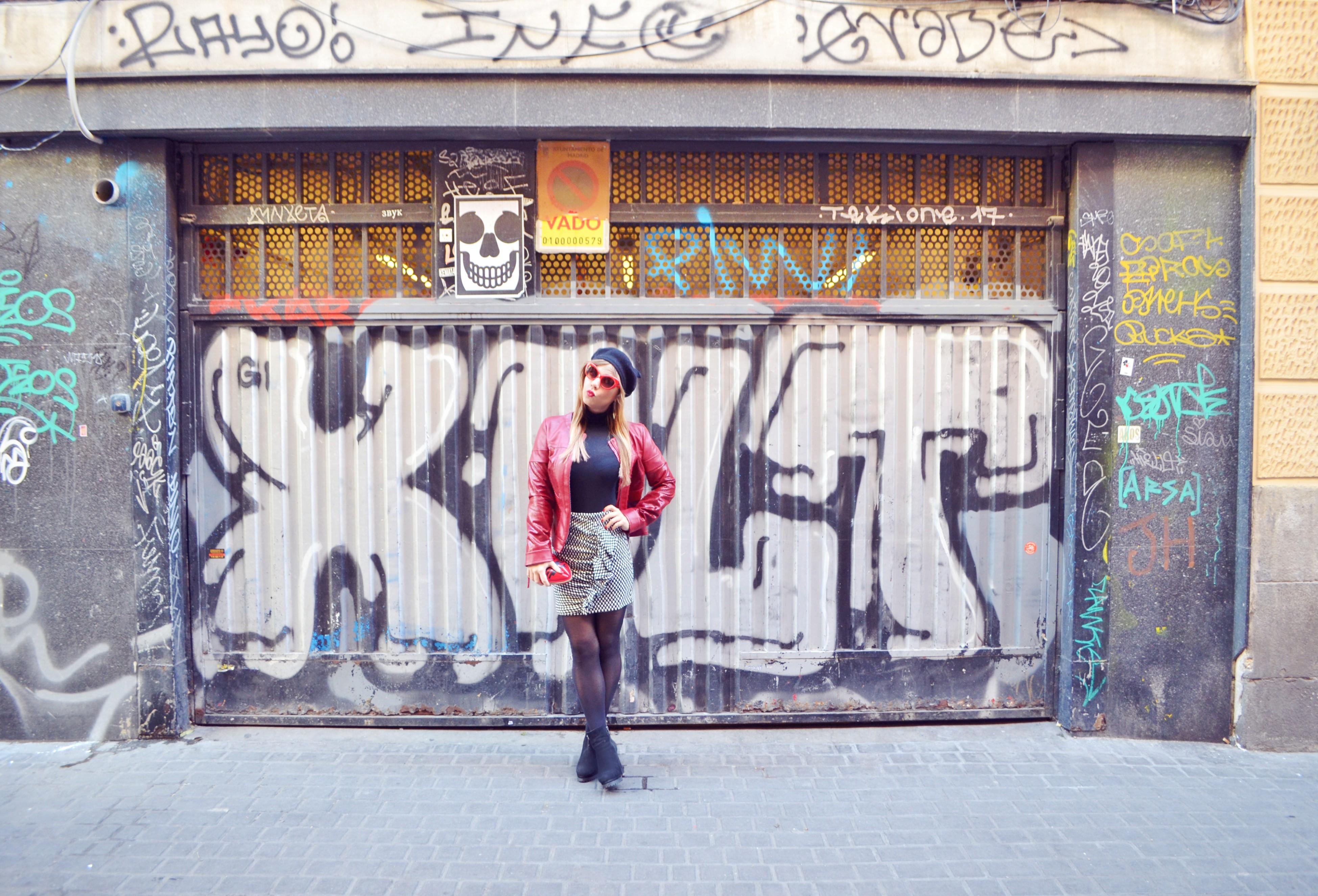 Blog-de-moda-ChicAdicta-influencer-street-style-Madrid-Chic-Adicta-arggido-falda-con-volantes-boinas-PiensaenChic-Piensa-en-Chic