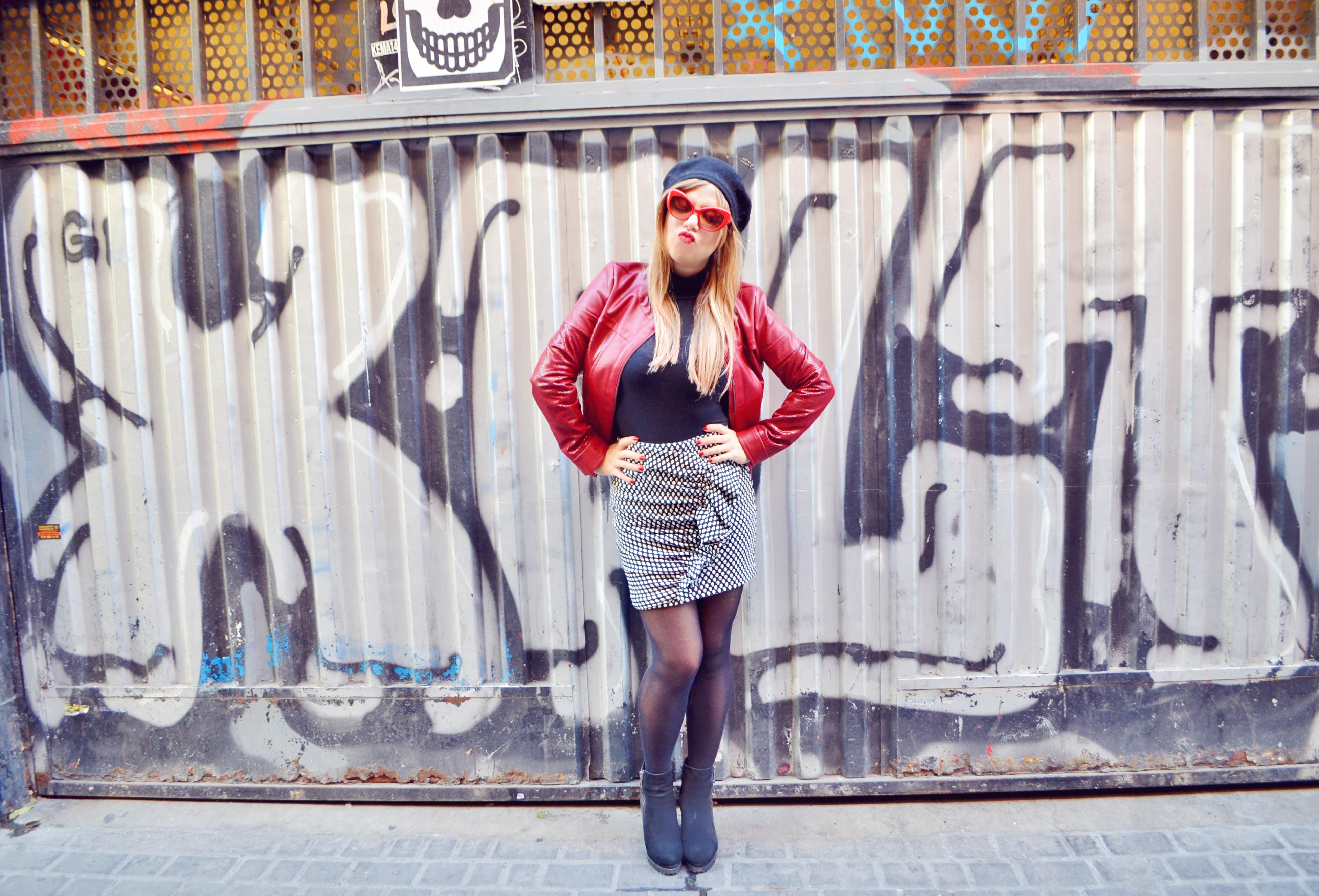 Chaqueta-arggido-blog-de-moda-ChicAdicta-influencer-Chic-Adicta-faldas-con-volantes-gafas-retro-fancy-style-PiensaenChic-Piensa-en-Chic