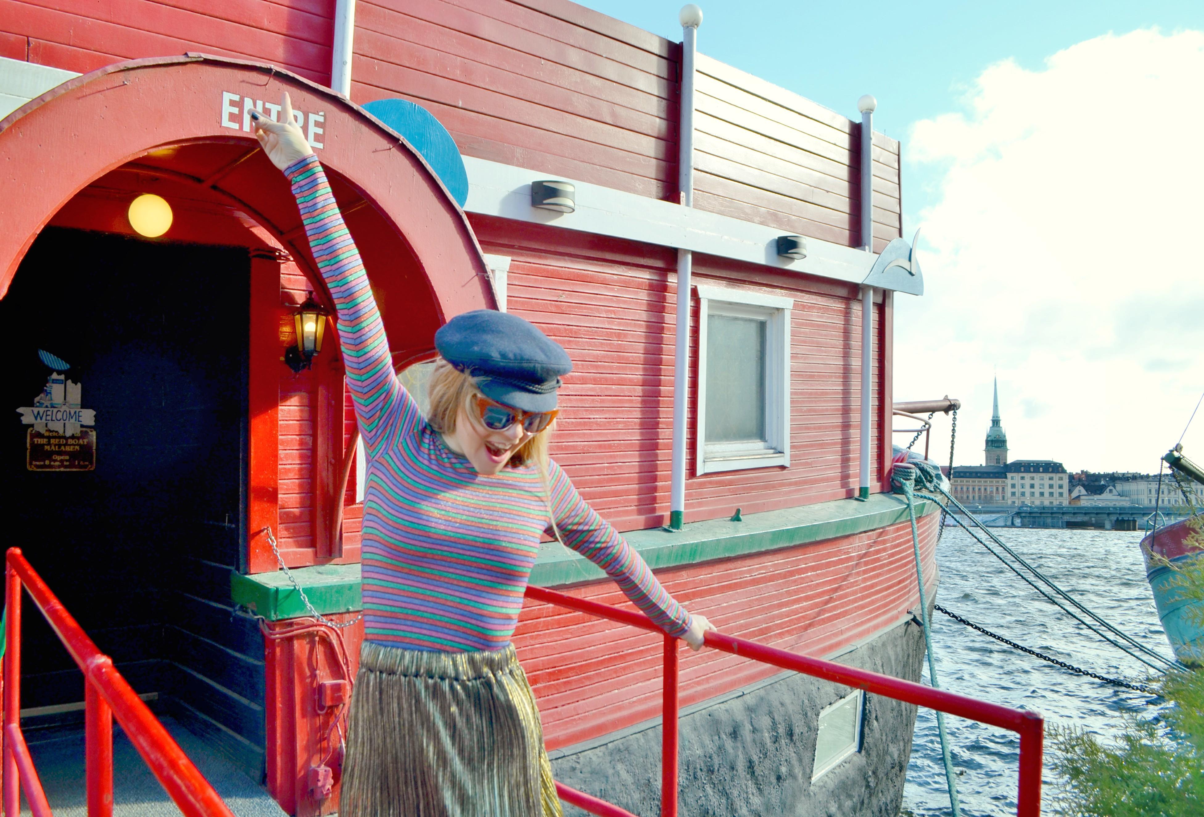 Look-dorado-chic-adicta-blog-de-moda-chicadicta-falda-dorada-influencer-travel-blogger-PiensaenChic-Piensa-en-Chic